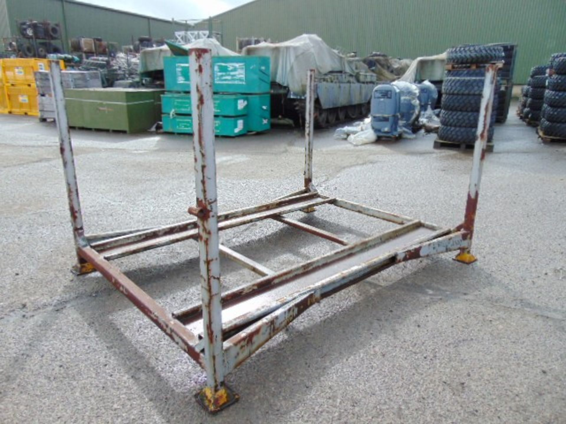 Lot 46 - 1 x Jeep Stacking Post Pallet