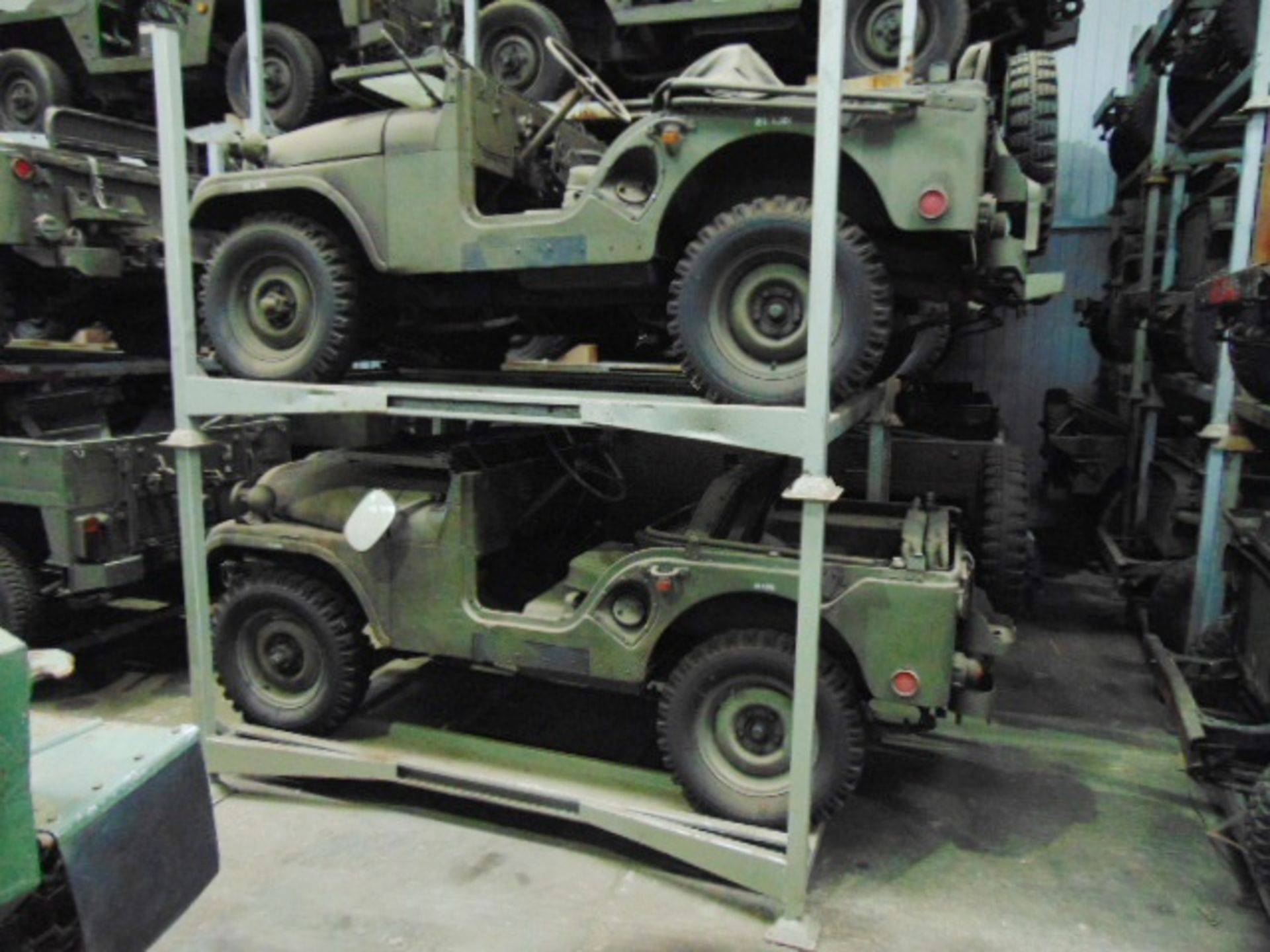 Lot 45 - 1 x Jeep Stacking Post Pallet