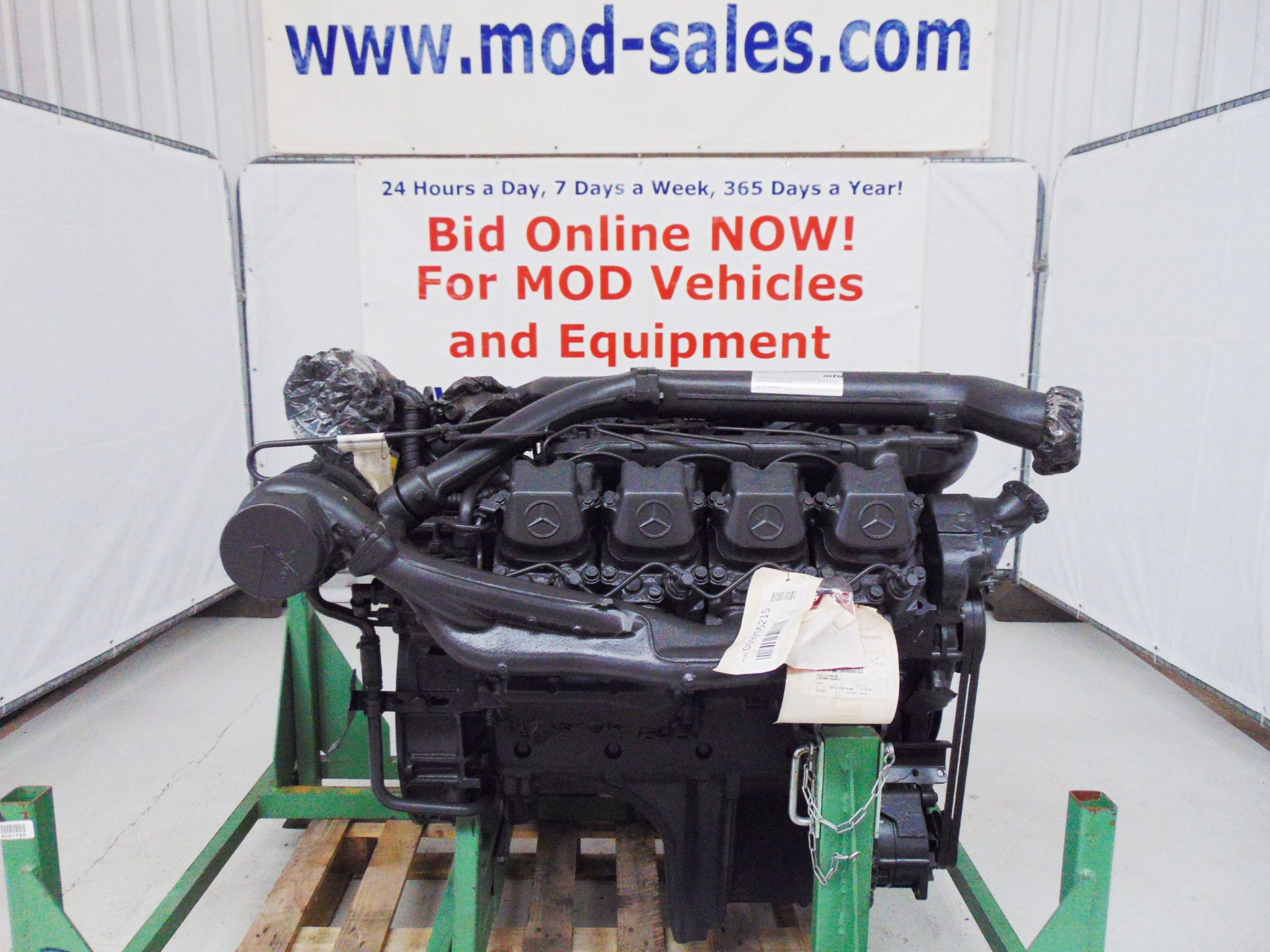Lot 6 - Brand New & Unused Mercedes-Benz OM402LA V8 Twin Turbo Diesel Engine
