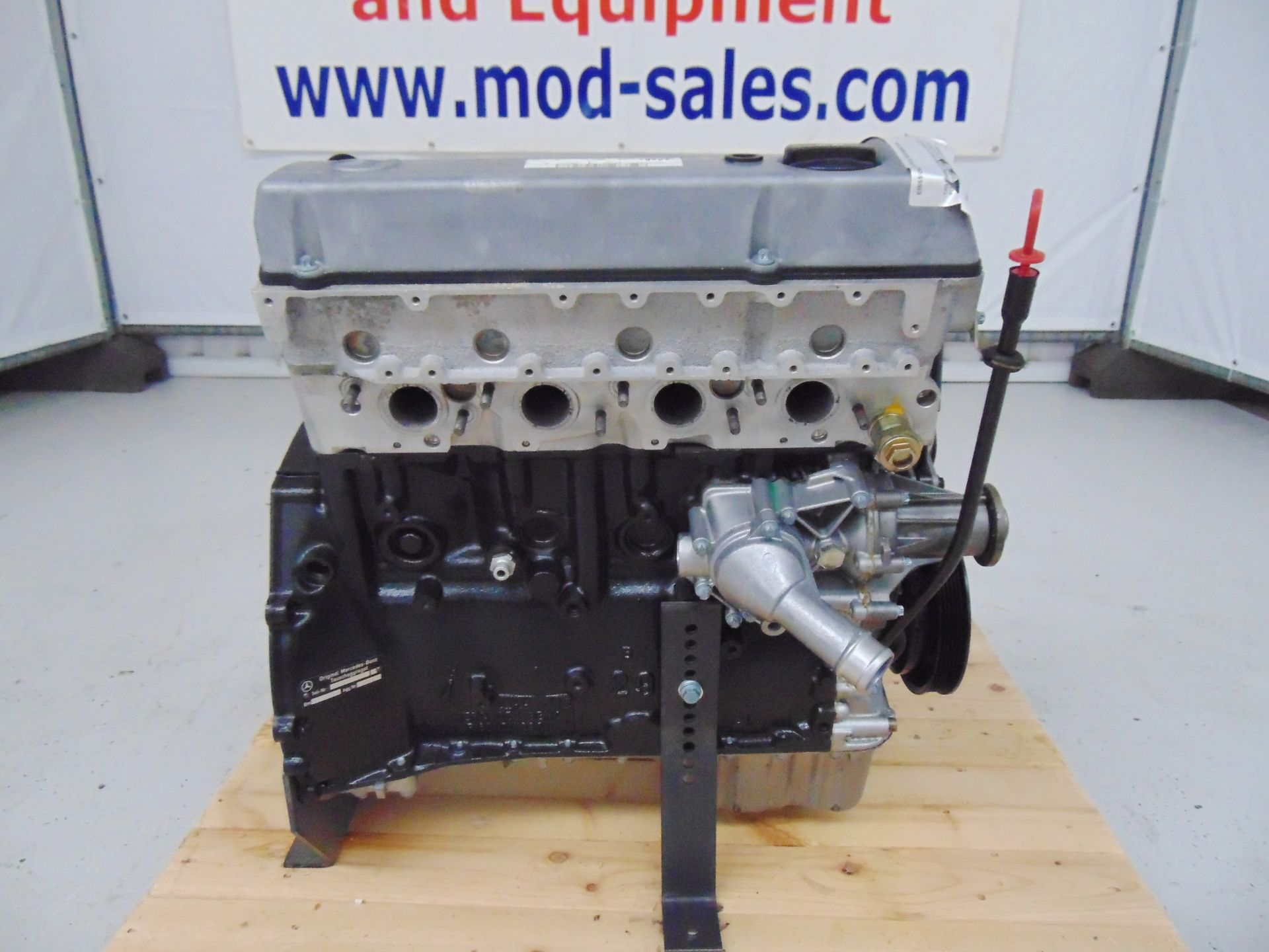 Lot 8 - Brand New & Unused Mercedes-Benz OM601 4 Cylinder 2.0l Diesel Engine C/W Injectors