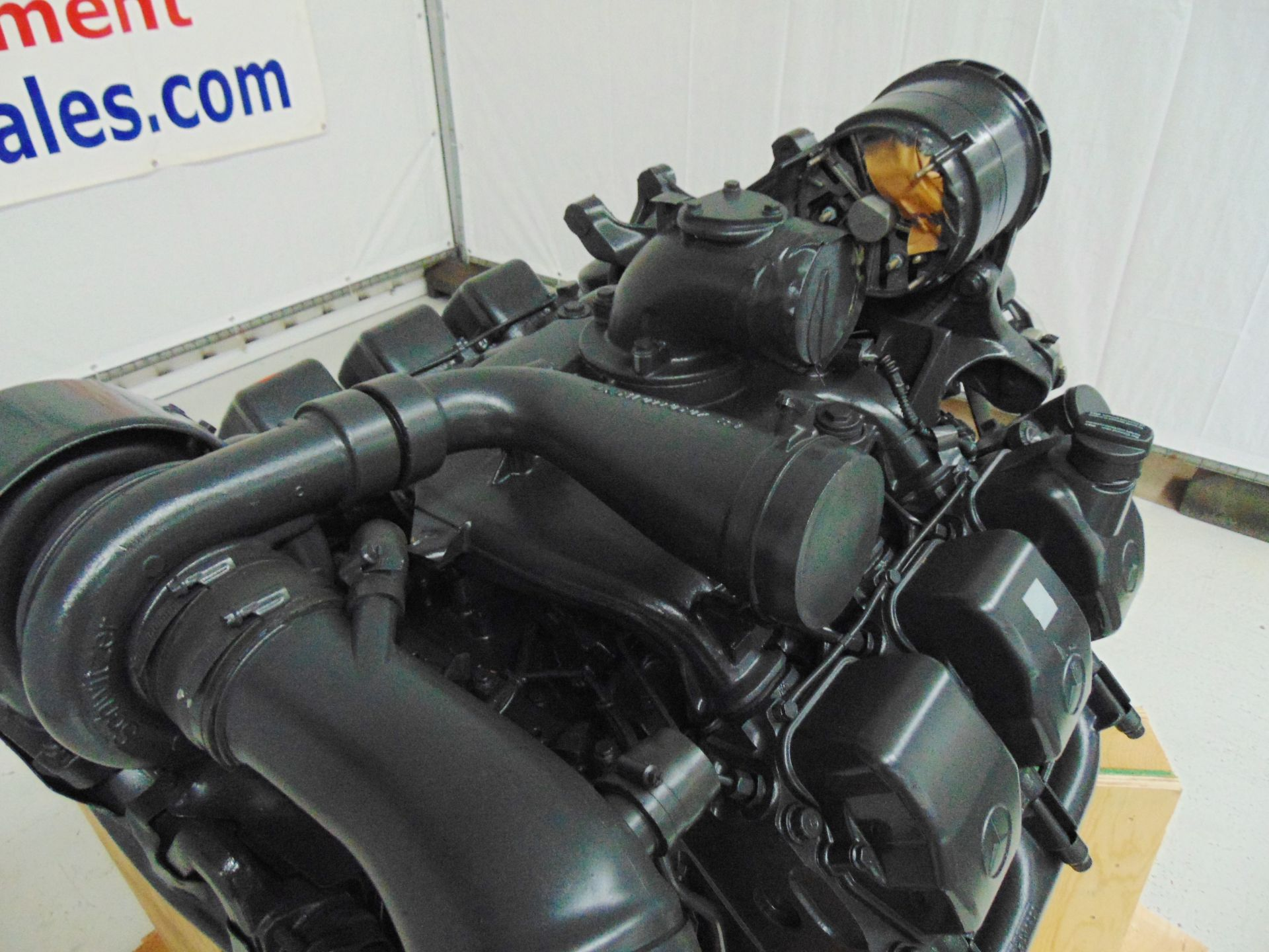 Lot 18 - Factory Reconditioned Mercedes-Benz OM501LA V6 Turbo Diesel Engine