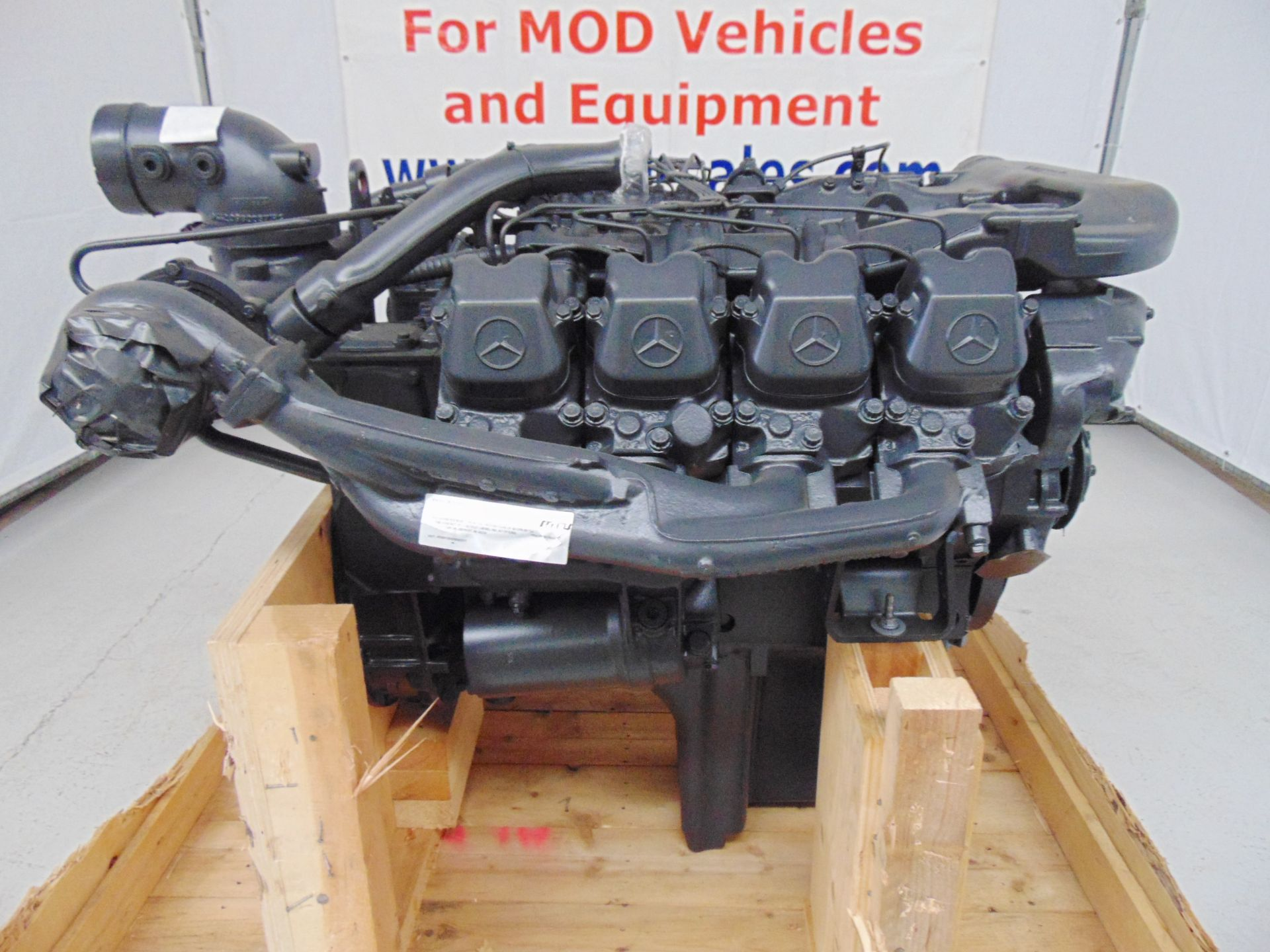 Lot 7 - Factory Reconditioned Mercedes-Benz OM402LA V8 Twin Turbo Diesel Engine