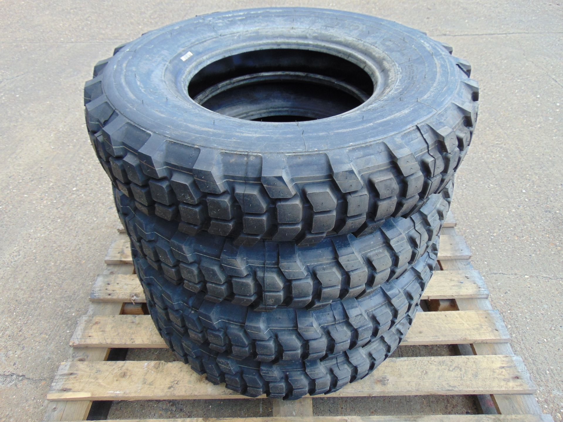 Lot 20 - 4 x Michelin XCL 7.50 R16 Tyres
