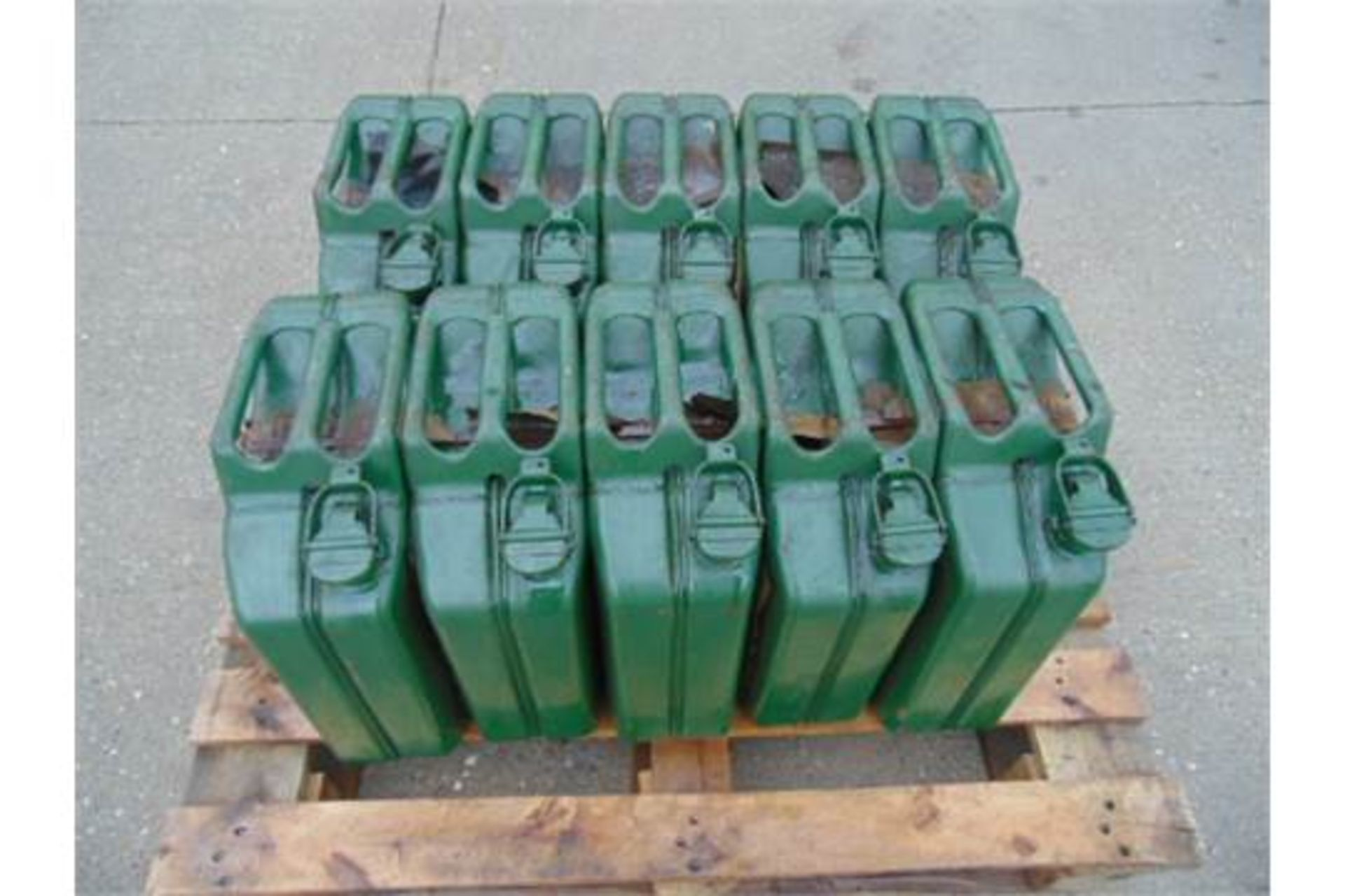 Lot 41 - 10 x Unissued NATO Issue 20L Jerry Can