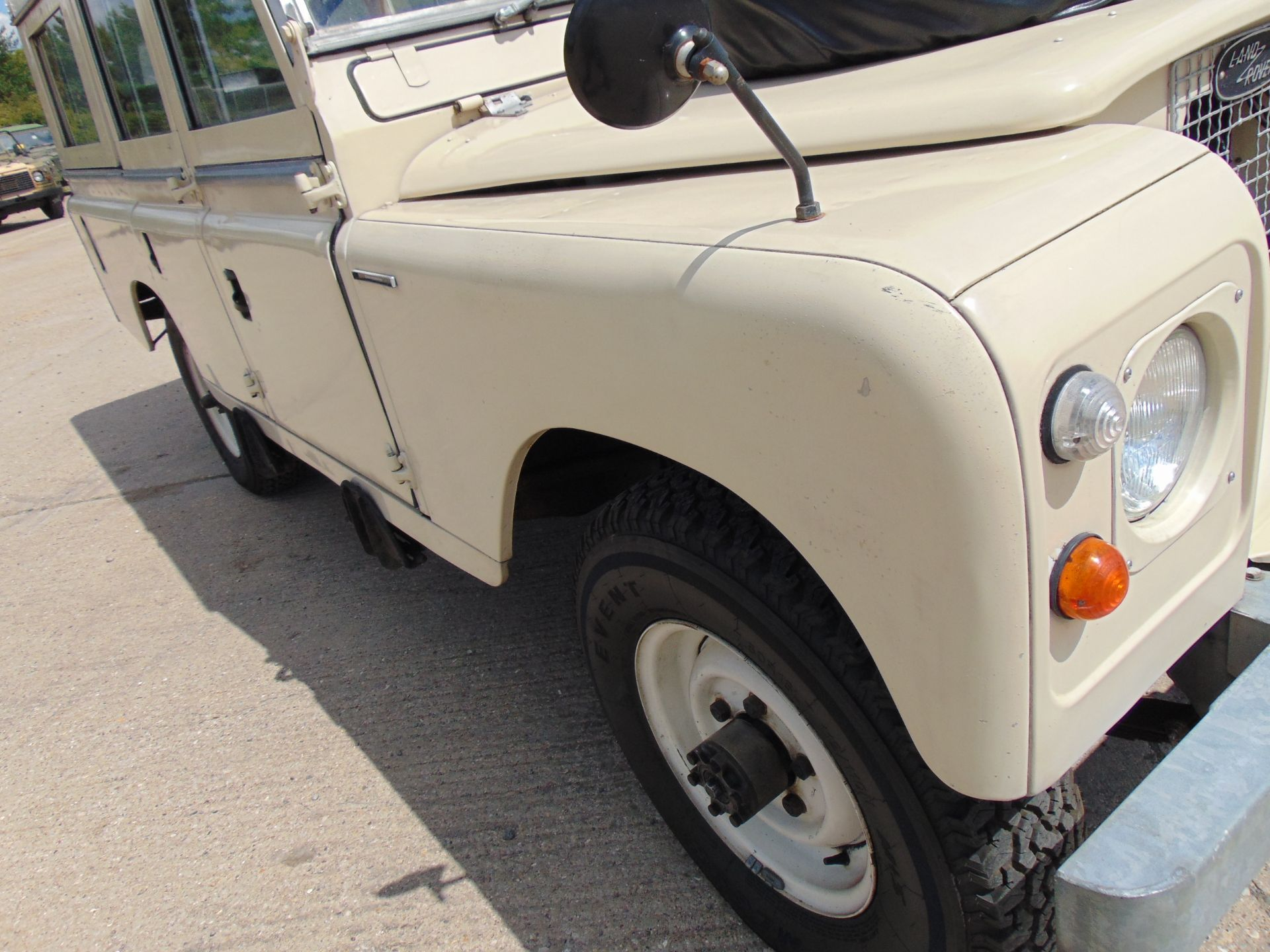Lot 38 - Stunning 1971 Land Rover Series IIA Dormobile Carawagon