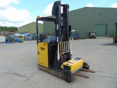 Yale MR16 Electric Reach Fork Lift Truck c/w Battery Charger ONLY 703 hours!