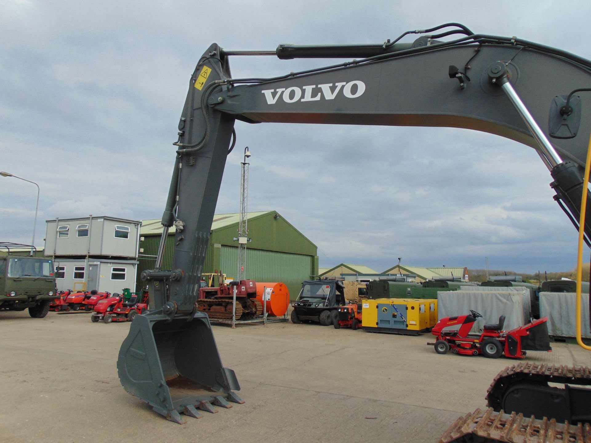 Lot 34 - NEW & UNUSED Volvo EC210B LC Prime 22t Excavator