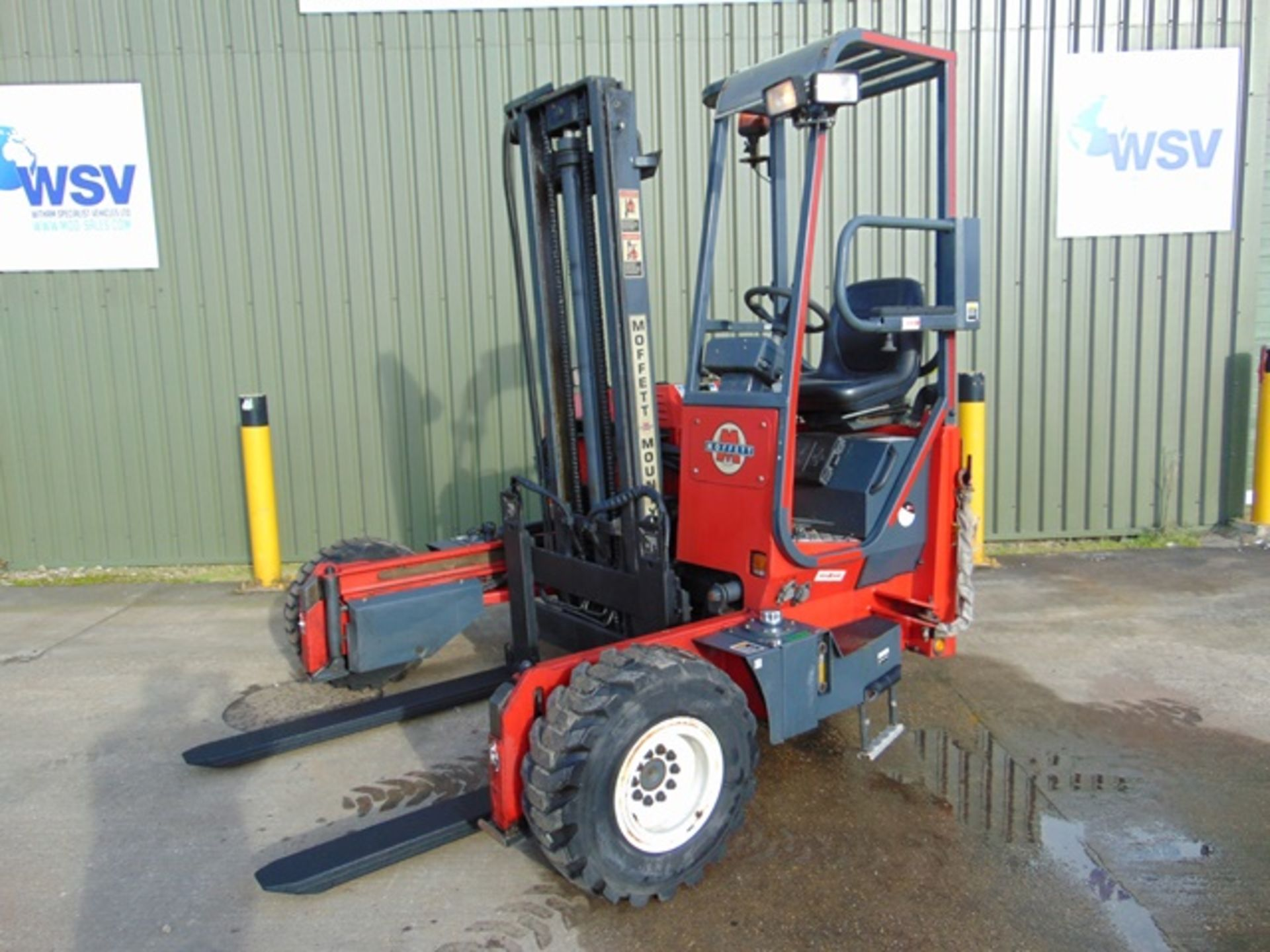 Lot 5 - 2003 Moffett Mounty M2003 Truck Mounted Forklift complete with Meijer Hydraulic Extension Forks