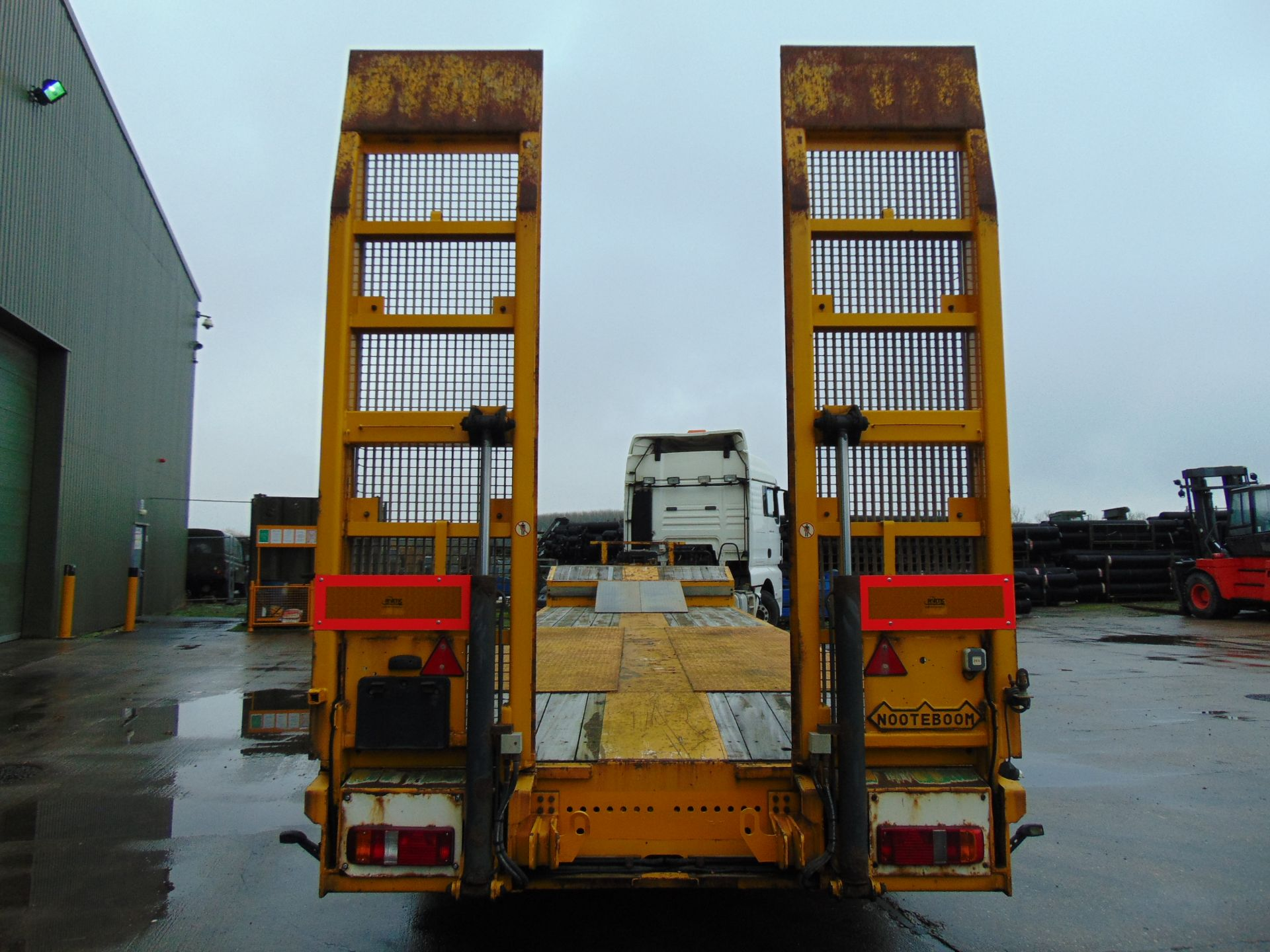 Lot 12 - 2010 Nooteboom OSDS 48-03 Tri Axle Low Loader Trailer