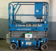 A GENIE GS-1930 Mobile Battery Electric Platform Scissor Lift, 19ft/5.8M Height, 113Kg capacity (