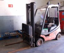 A LINDE H18T 1800Kg capacity LPG Gas Forklift Truck, Serial No. H2X350S02358, with