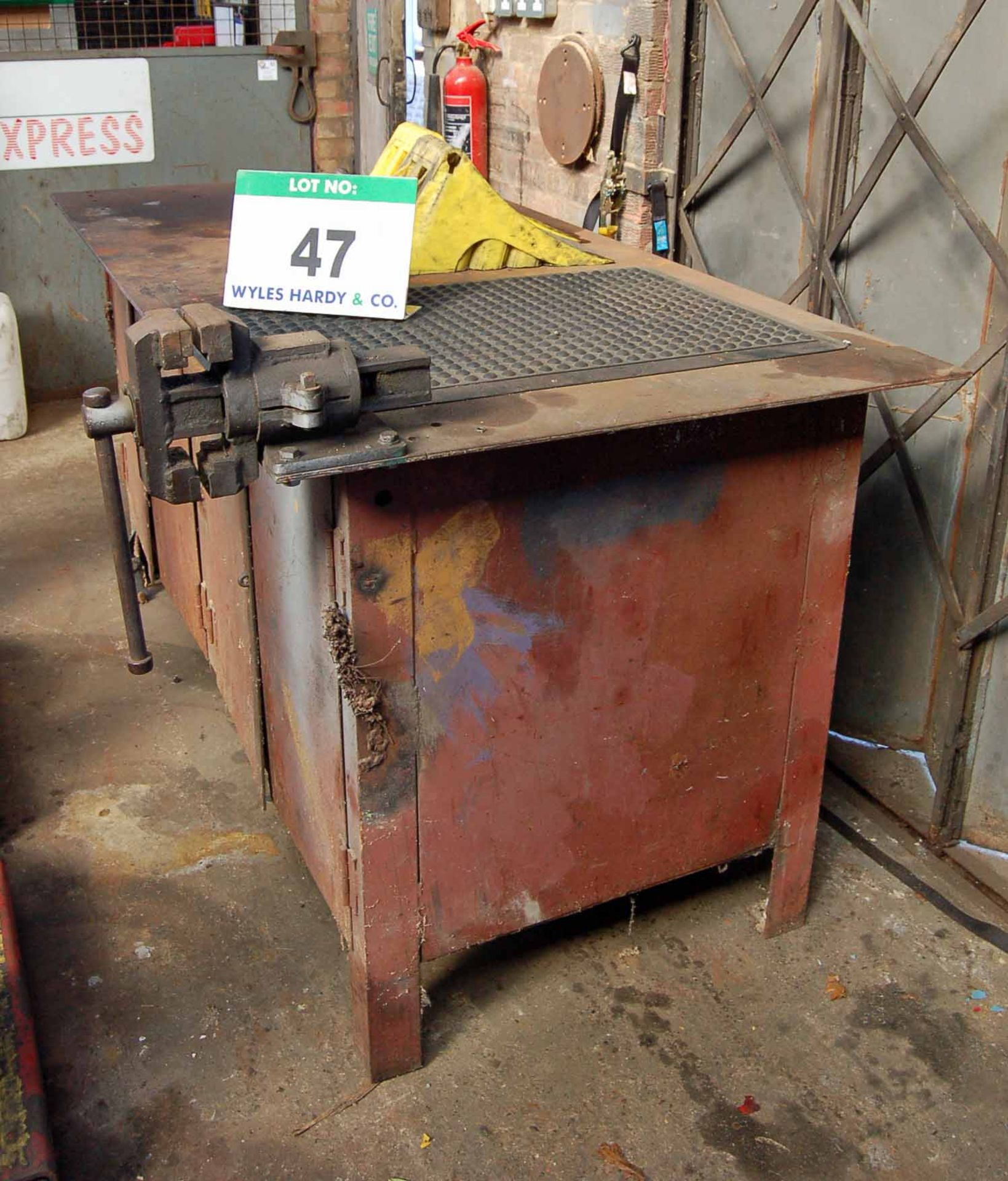Lot 47 - A Steel Workbench with A 4 inch Bench Vice