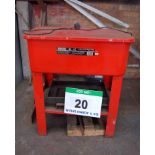 Lot 20 - A SEALEY SM20T Red Plastic Parts Cleaning Tank with Steel Frame (240V)