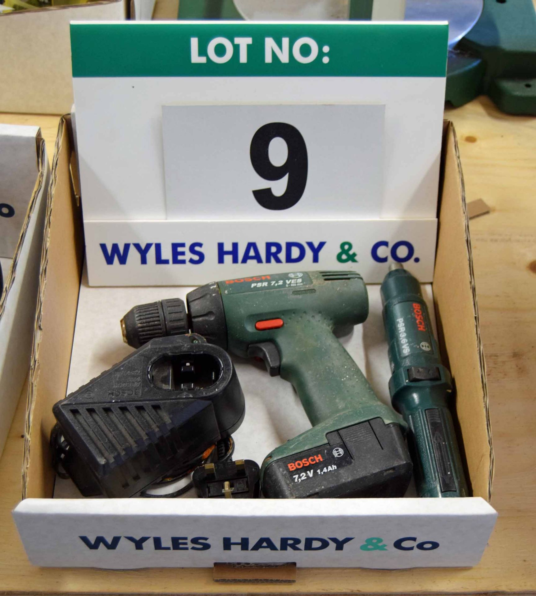 Lot 9 - A BOSCH PSR 7,2 VES 18V Cordless Rechargeable Drill/Driver with Variable Speed, Variable Torque,