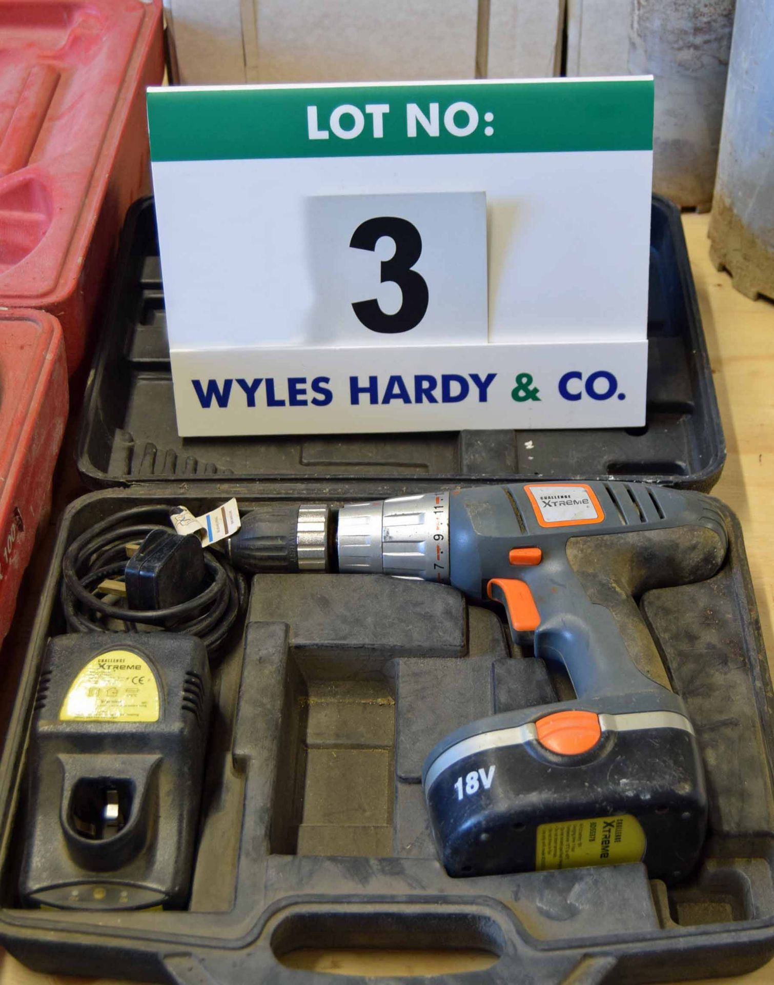 Lot 3 - A CHALLENGE Extreme 18V Cordless Rechargeable 2-Speed Variable Torque Reversible Hand Drill with