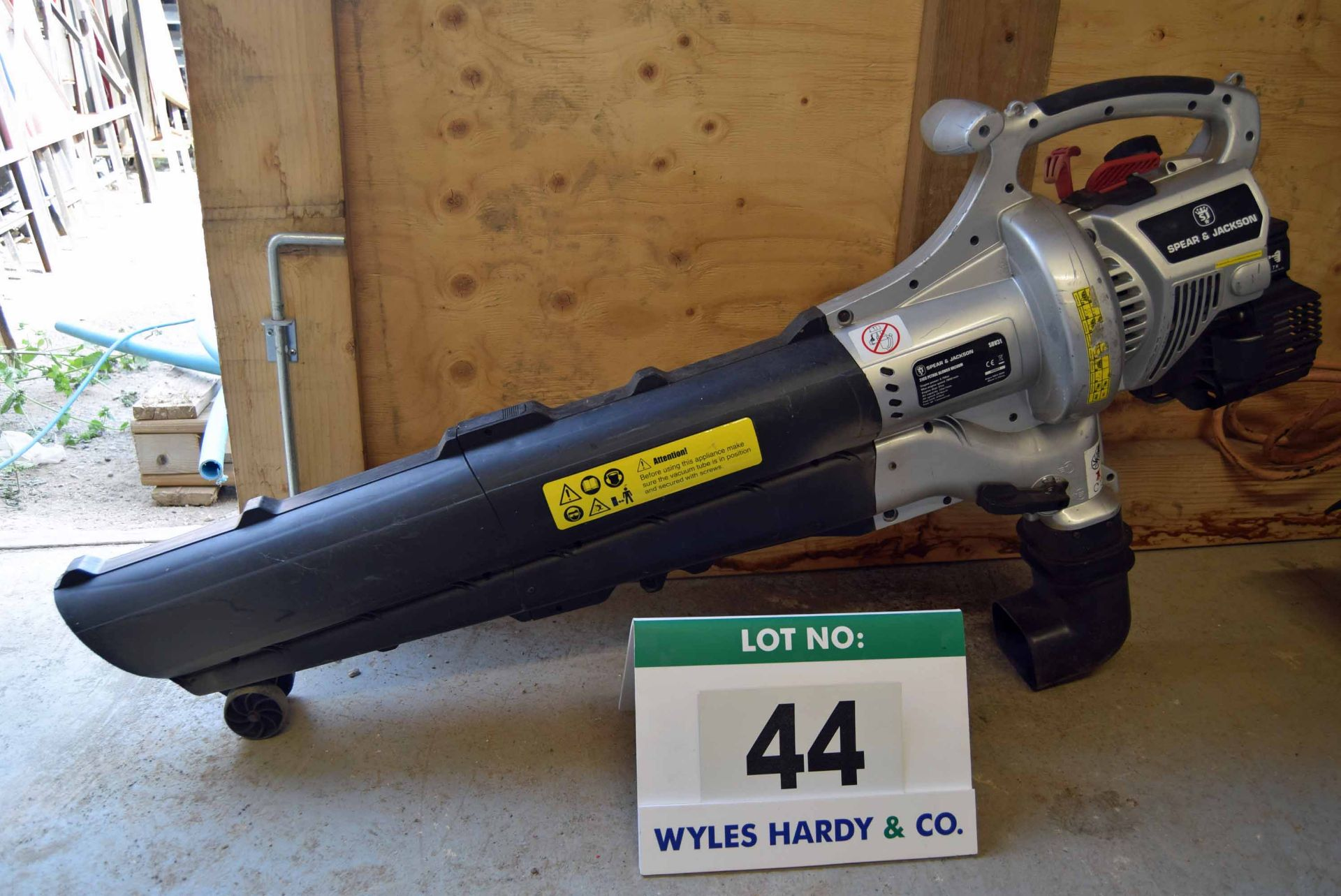 Lot 44 - A SPEAR AND JACKSON SBB1 31cc Petrol Powered Blower/Vacuum (No Collection Bag)
