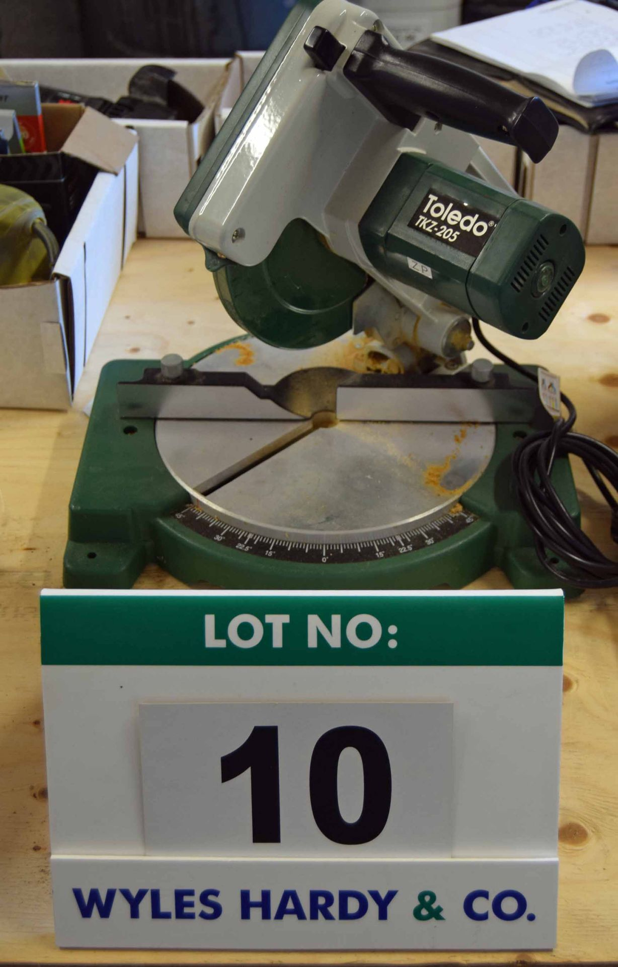 Lot 10 - A TOLEDO TKZ-205 240V AC Benchtop 205mm Chop Action Circular Saw with Mitre and Compound Mitre