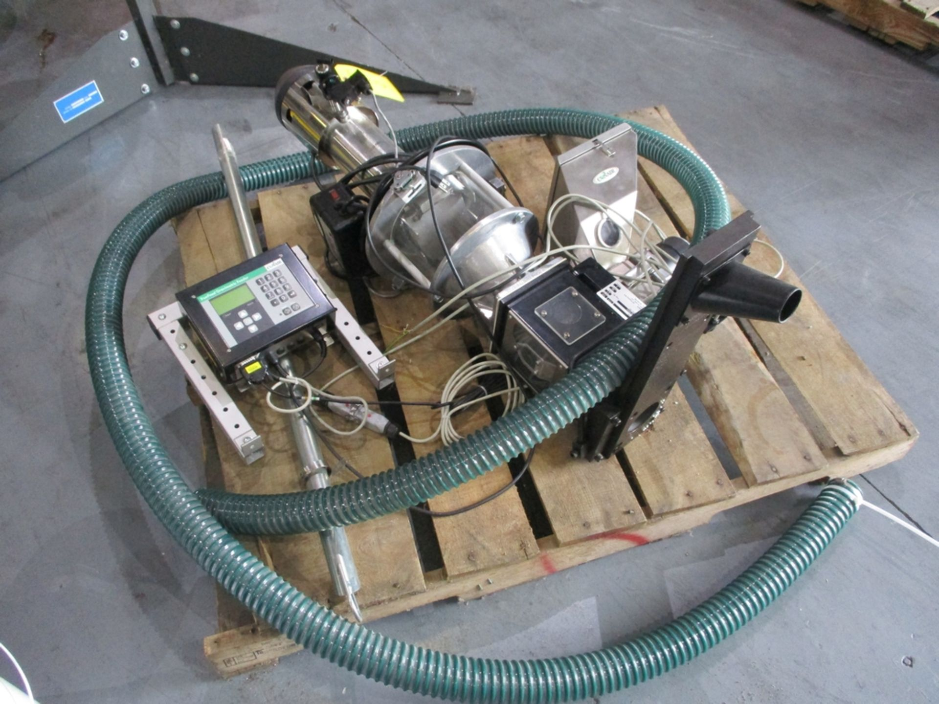 Lot 1018 - Conair Gravimetric Feed Assembly - Includes: TrueFeed Gravimetric Feeder w/ Control, Colormix, TLM