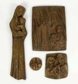 KRAUTWALD, Joseph (*1914 Borkendorf †2003 Rheine), Bronzerelief, Konvolut von 4, Maria mit Jesus, H.