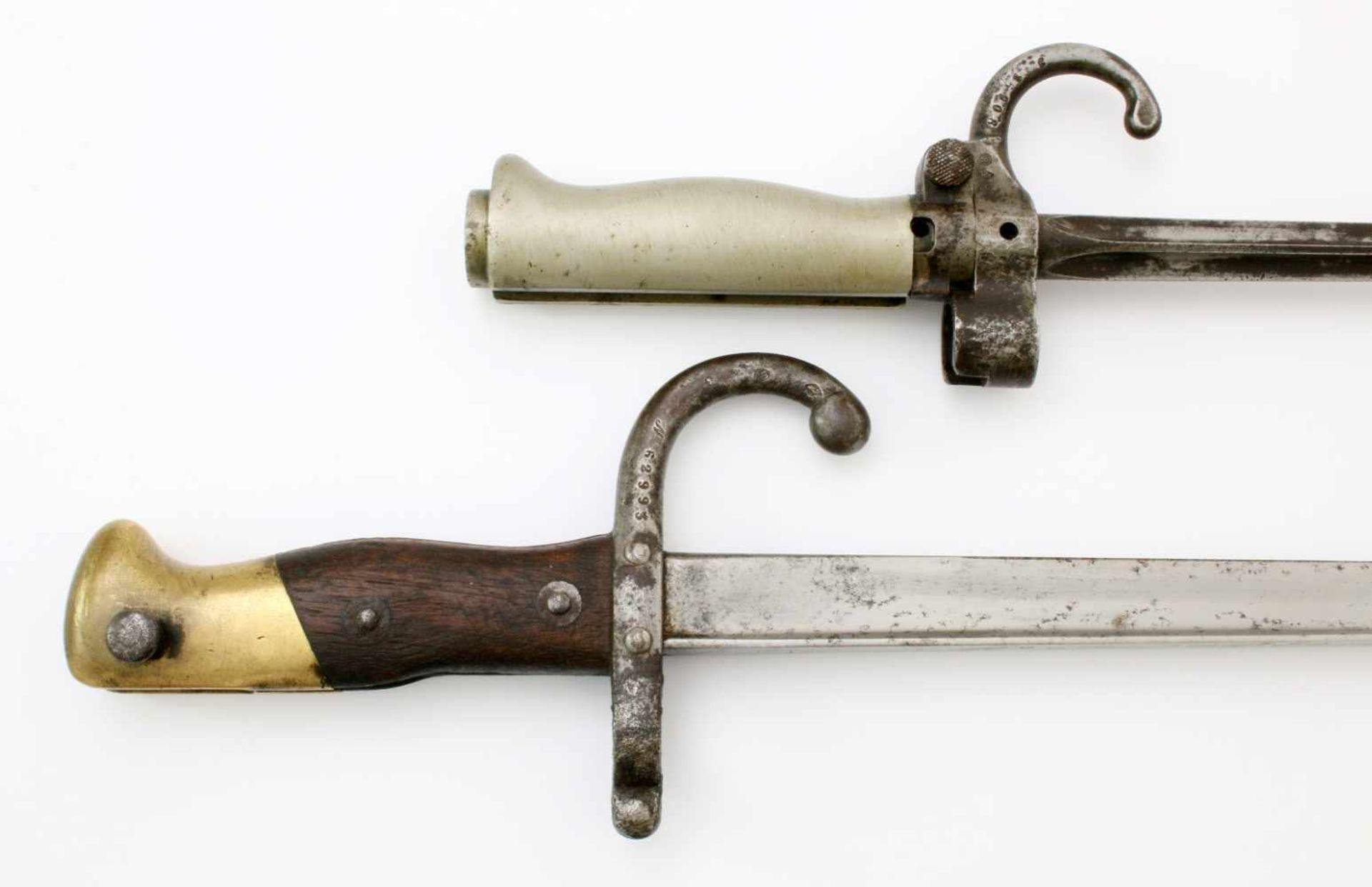 """Frankreich - 2 Bajonette1x Säbelbajonett M1874, auf Klingenrücken Herst. """"St. Etienne Juillet 1878"""". - Bild 4 aus 4"""
