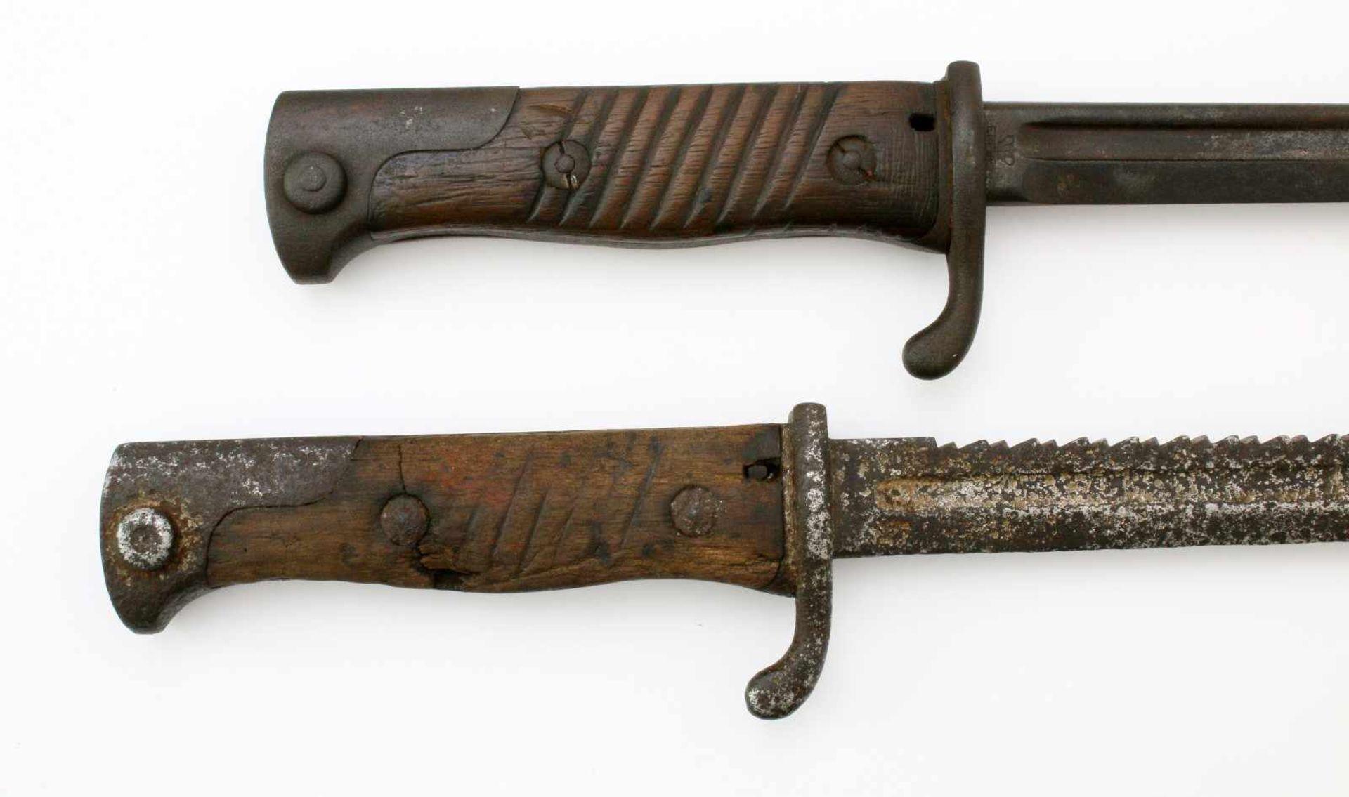 Deutsches Reich / Preußen - 2 Seitengewehre M18981x SG 1898, Steckrücken-Klinge mit Schör, - Bild 3 aus 4