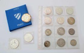 14 Silbermünzen und Medaillen 19. & 20. JahrhundertLouis Philippe 5 Franc 1845; 1 Sol Peru 1865; 500
