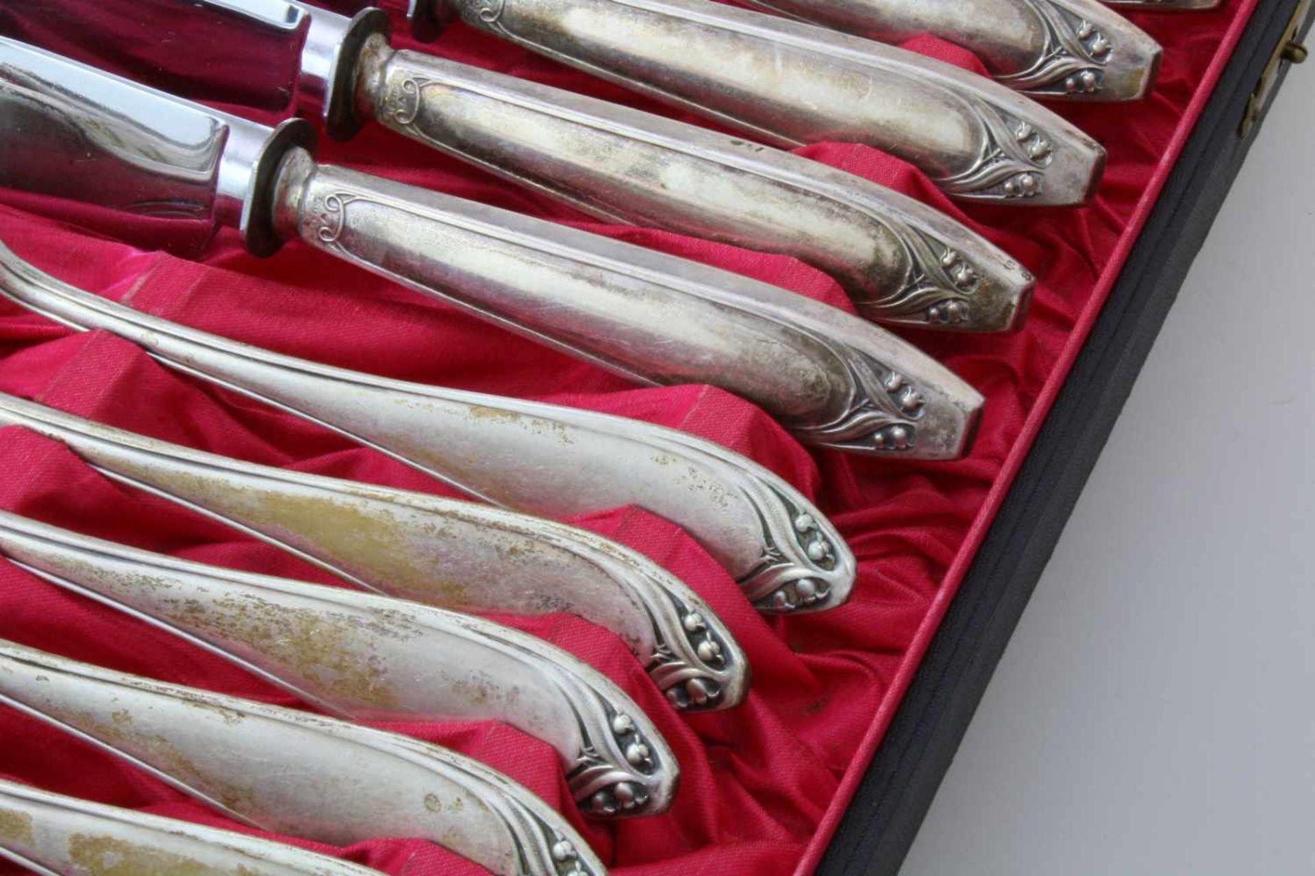 Silberbesteck Juwelier Häberlein, Nürnberg um 191012-teiliges Diner-Besteck, 6 Messer, 6 Gabeln, - Bild 2 aus 5