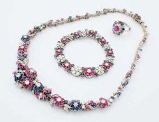 Weißgold-Schmuckset - Collier, Armband, Ring - besetzt mit Brillanten, Rubinen, SafirenCollier: