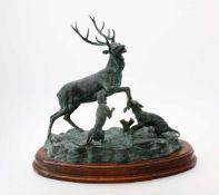 """Bronzeplastik """"Hirschjagd"""" - R. Odagled - 20. JahrhundertHirsch im Kampf mit 2 Hunden, auf"""