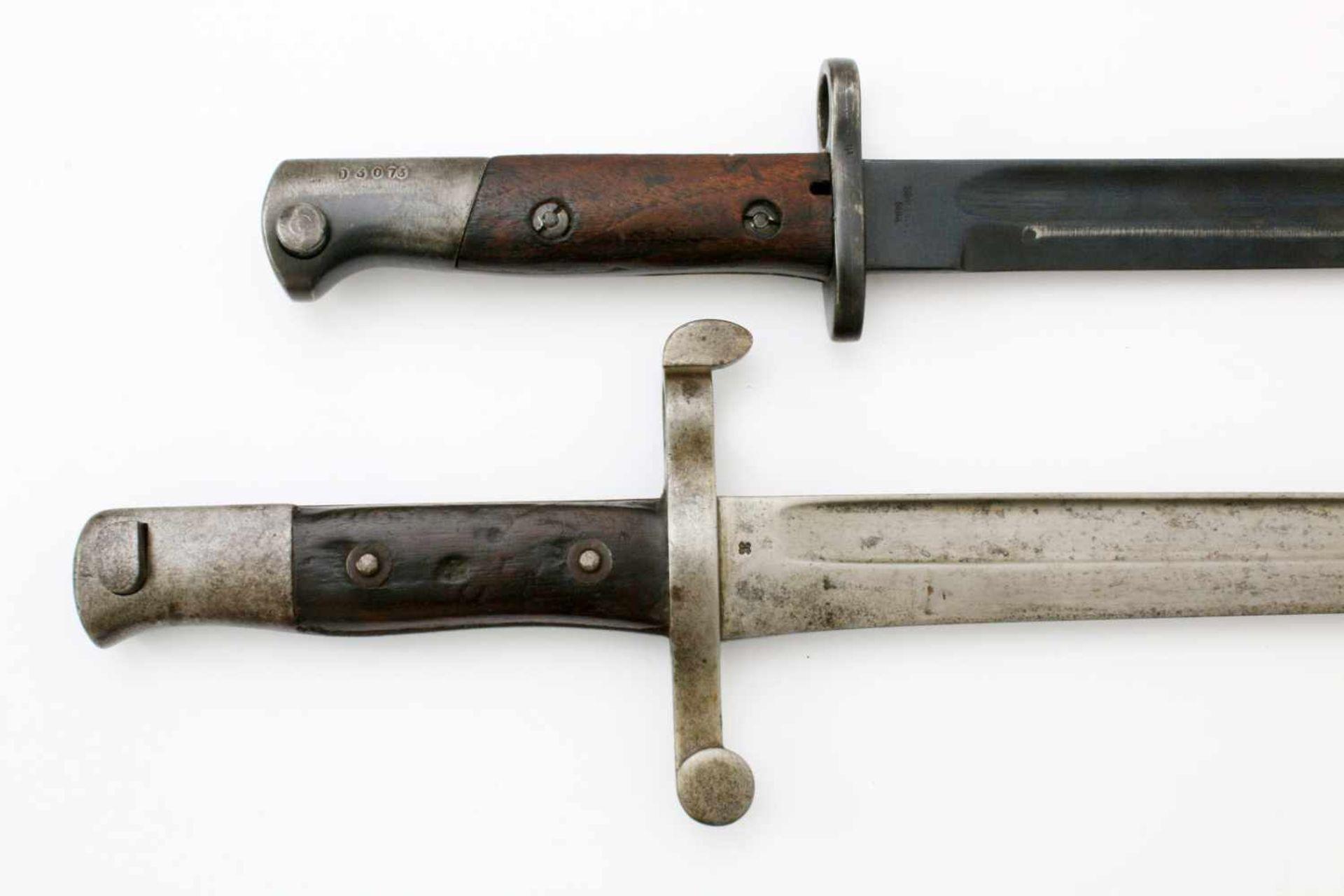 """Portugal - 2 Bajonette1x Messerbajonett M1904, Herst. """"Simson & Co. Suhl"""". Gekehlte Rückenklinge, - Bild 3 aus 4"""