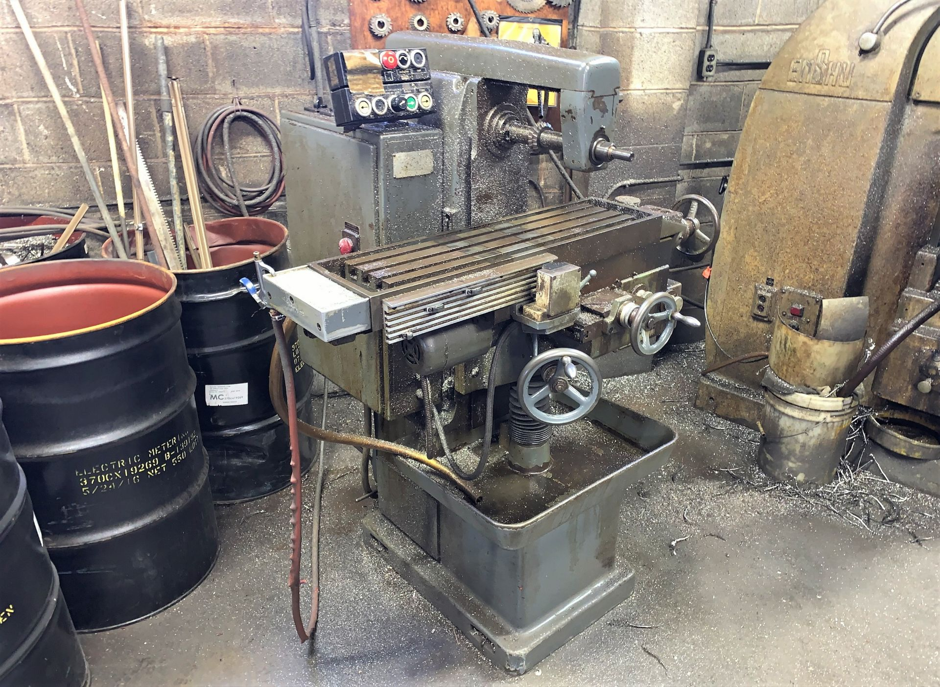 """Lot 48 - Hermle Mdl. FW800 Automatic Horizontal Milling Machine, Cutter Spindle 45 to 1615 RPM, 32"""" x 9"""" T-"""