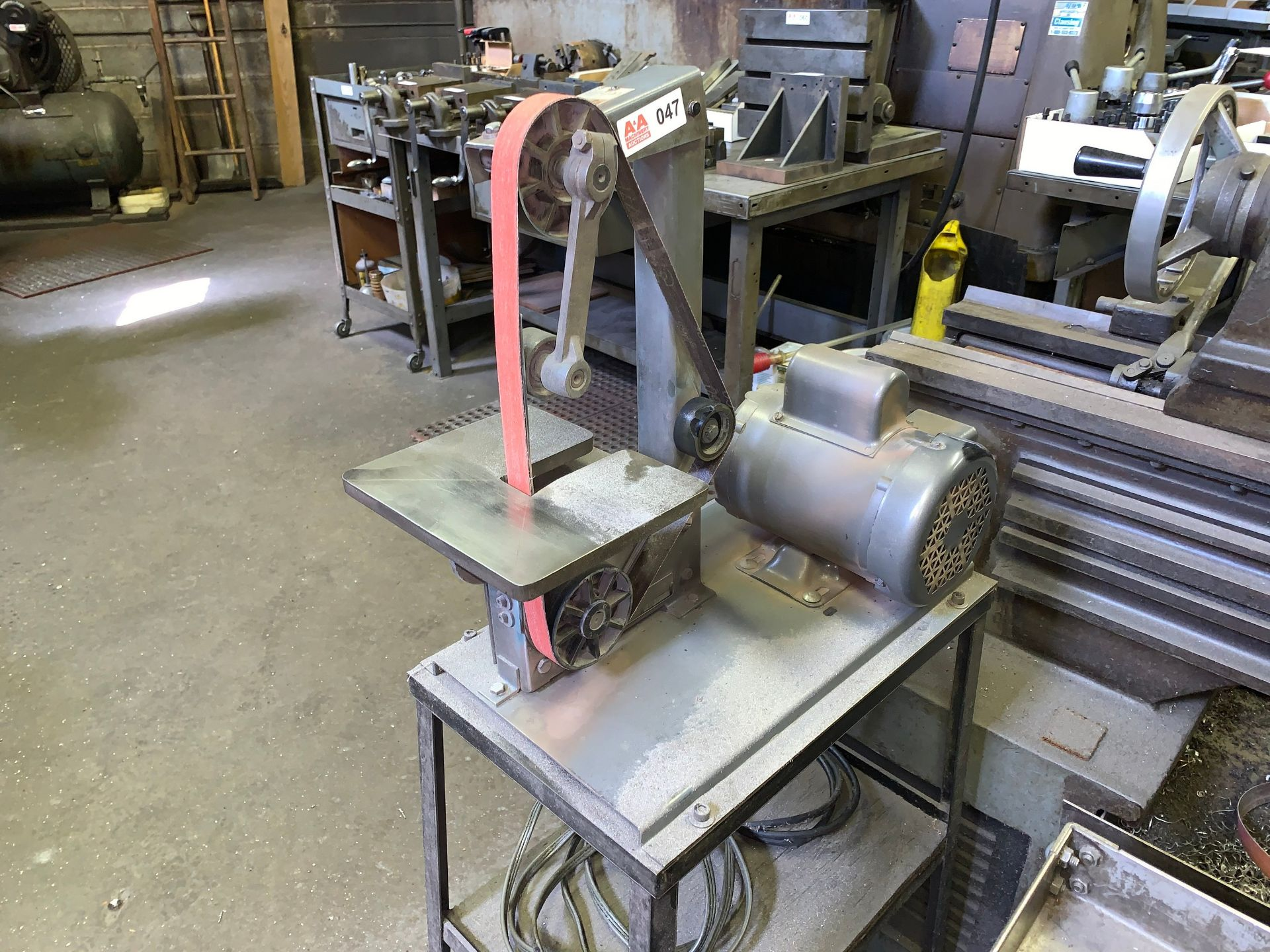 "Lot 47 - Delta 1"" Belt Sander / Grinder with Baldor .5Hp Motor (Located in Levittown, PA Facility)"