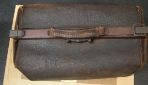 Early 20thC Gladstone bag