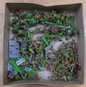 Collection of Deetail Ltd 1971 metal British & American soldiers (Quantity)