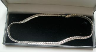 Chunky gents sterling silver necklace, 45 cm long, 48.2 grams, comes with own box