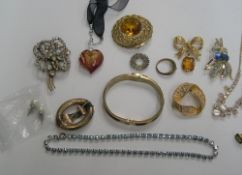Collection of good quality 1980s costume jewellery (15 items)