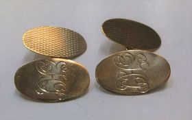 9ct yellow gold old pair of cufflinks Approx 4.2 grams gross
