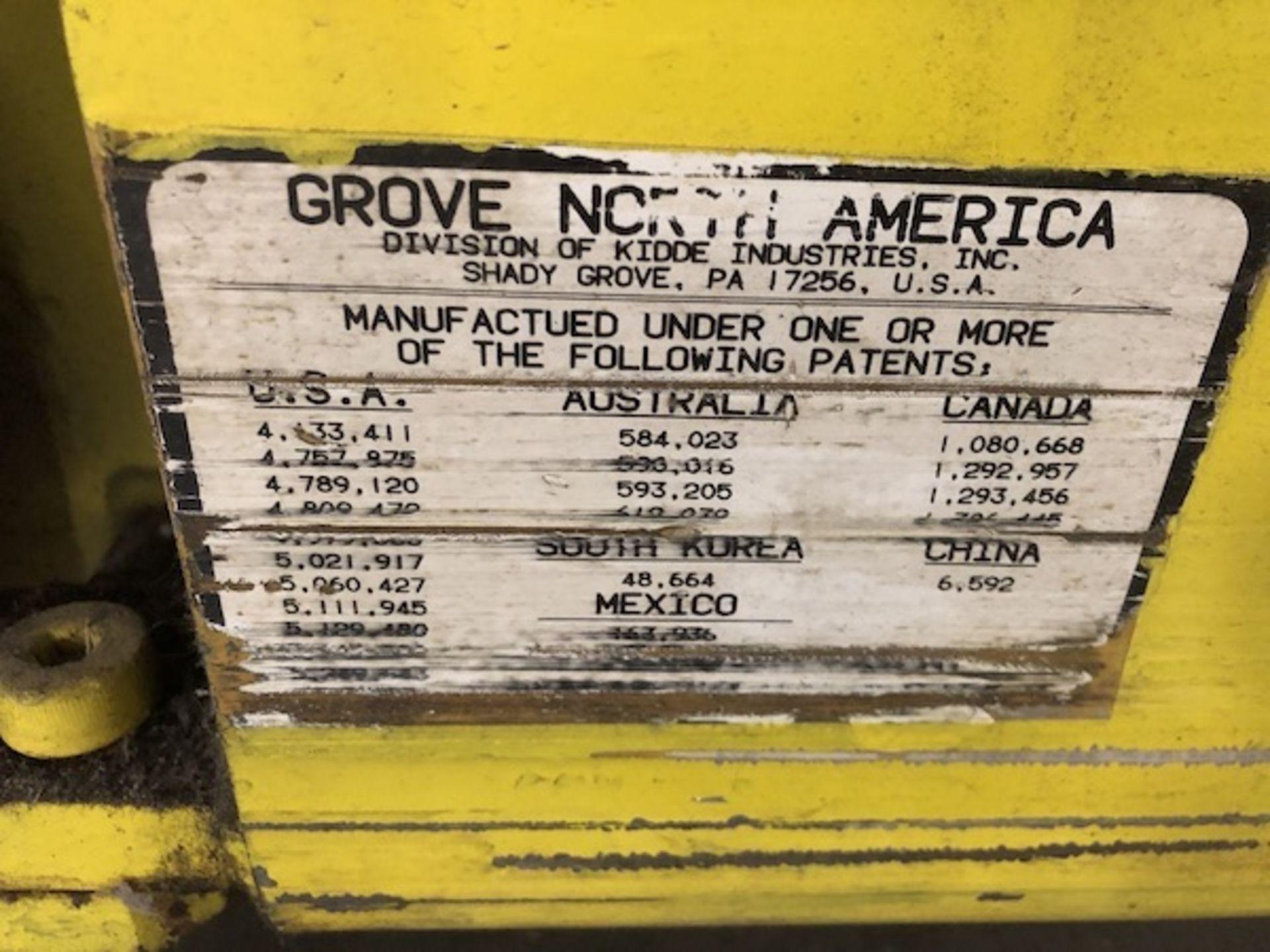 Lot 31 - Grove/Ring Lift Electric Scissor Lift,