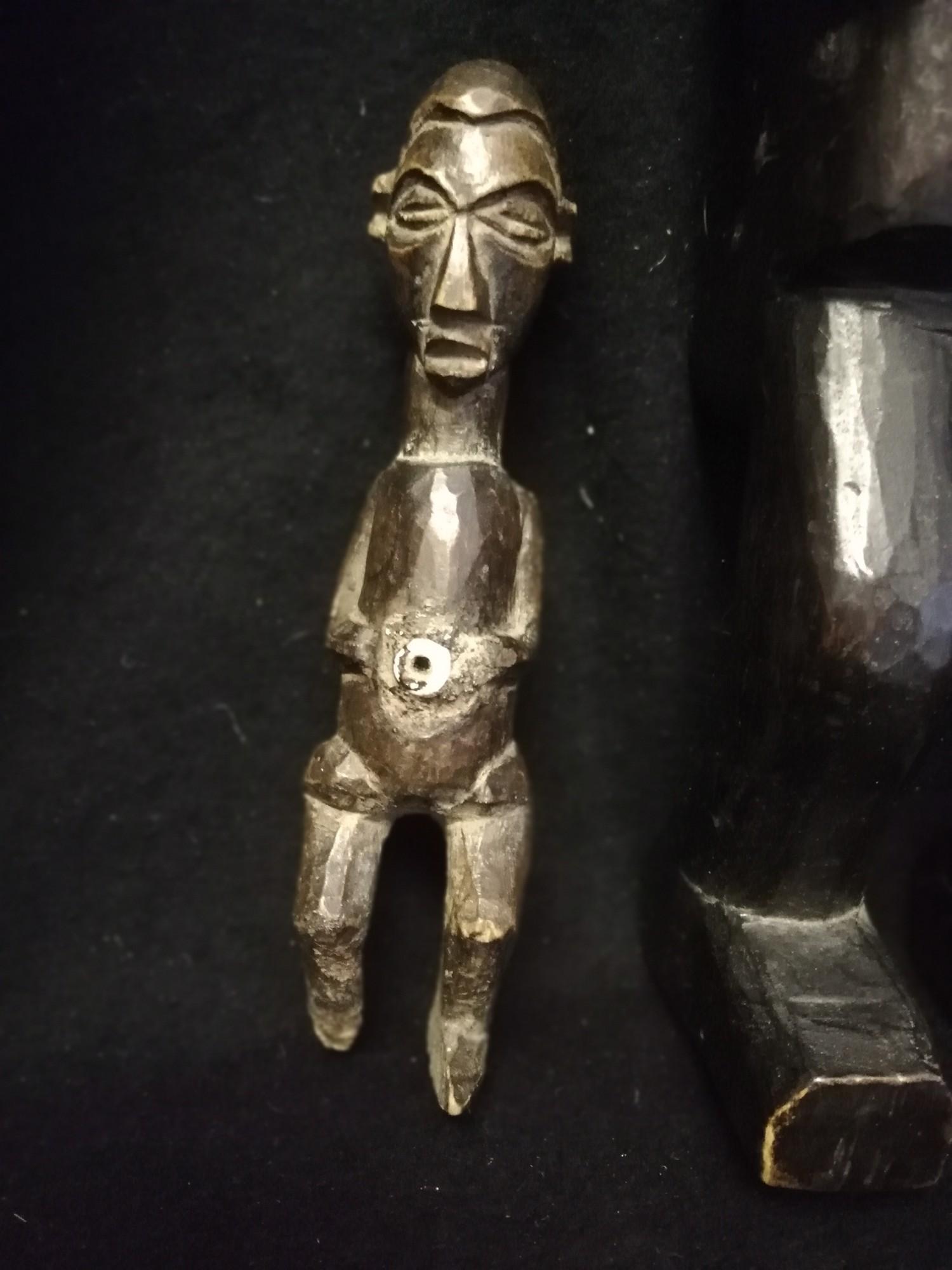 "Lot 246 - West african figures, ashanti 15¾"" & yaka 6¾"""
