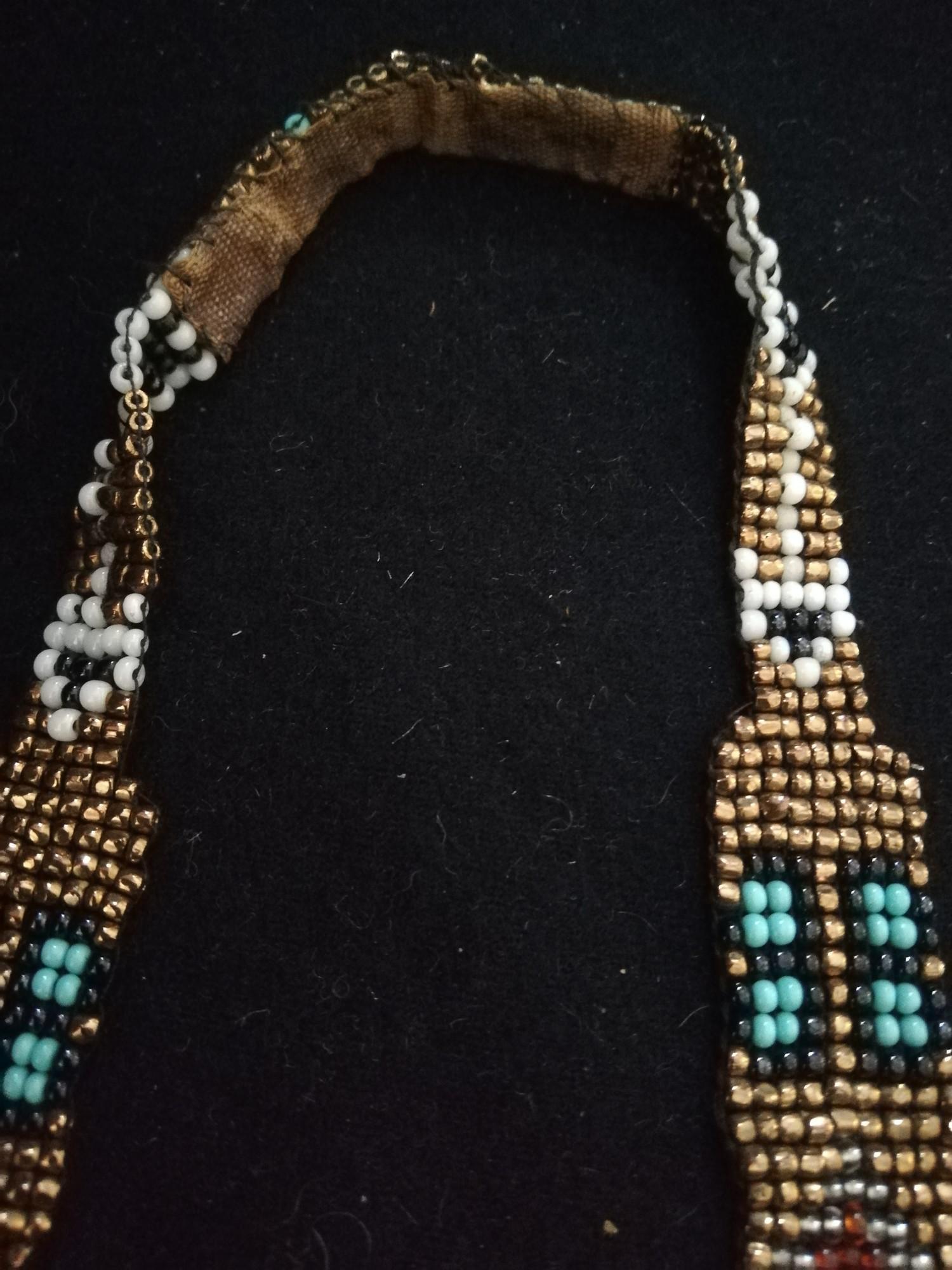 "Lot 233 - Beadwork necklace with velvet backings -length 17"""