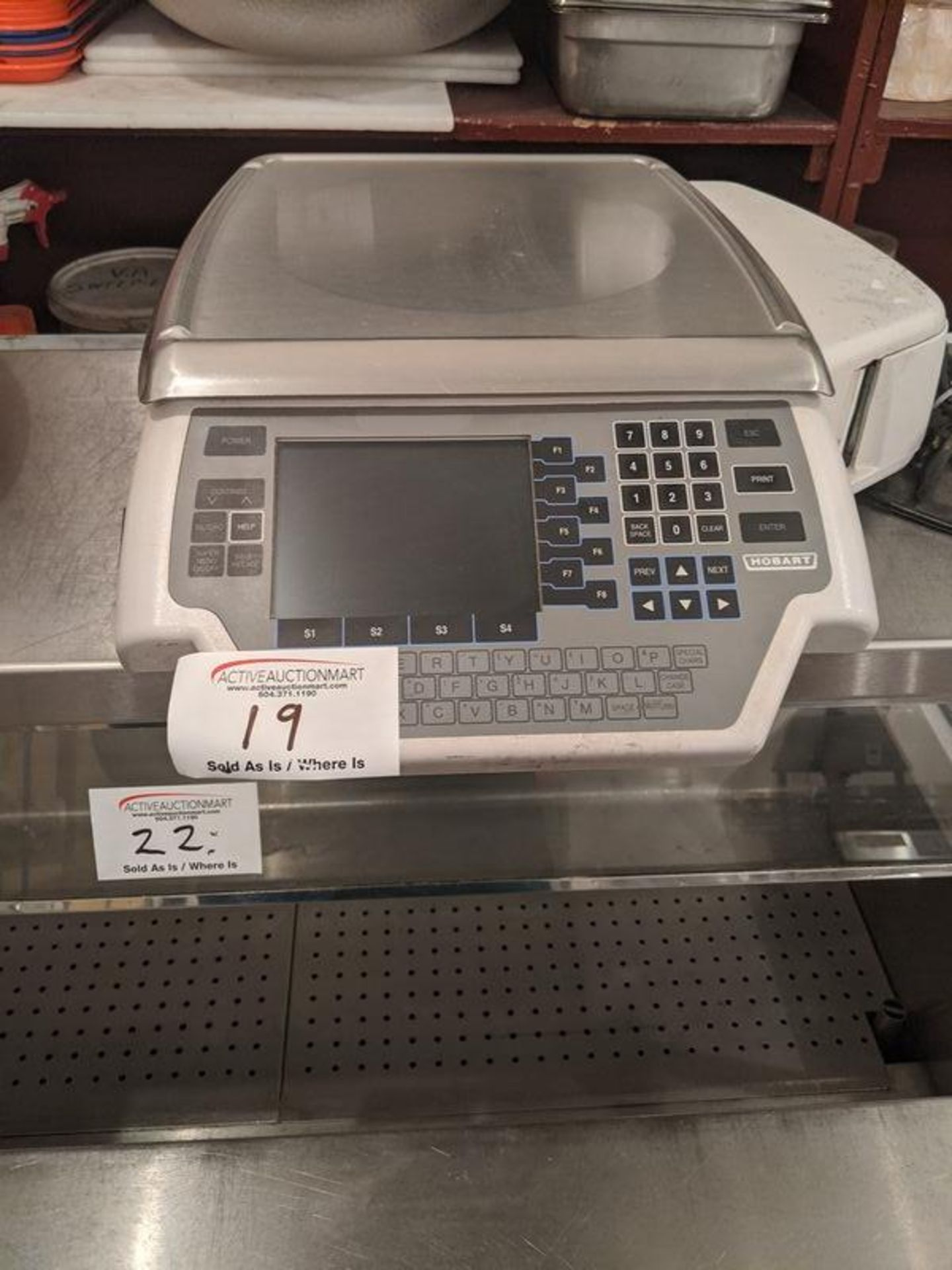 Lot 19 - Hobart Quantum 30 lb Digital Scale with Printer