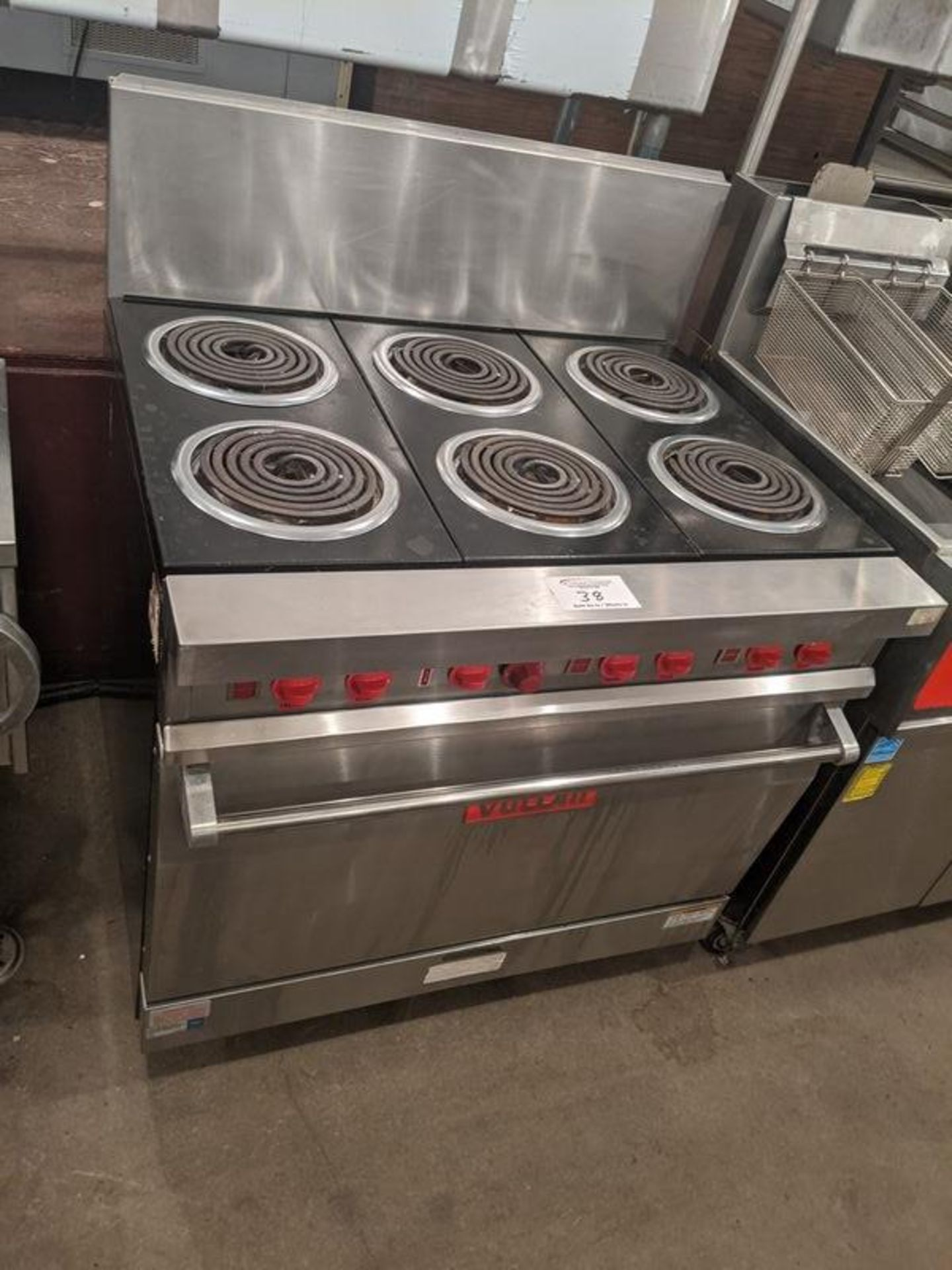 Lot 38 - Vulcan 6 Burner Electric Range with Oven