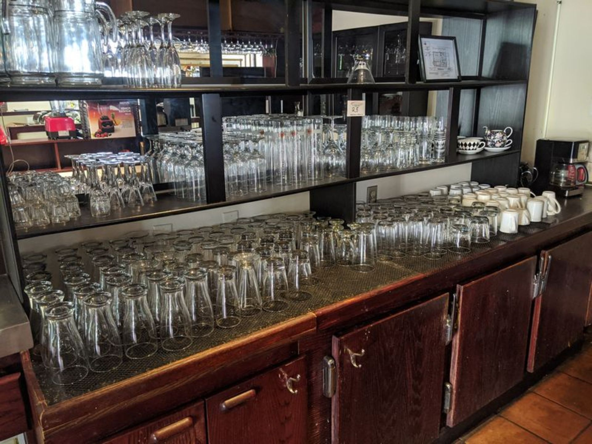 Lot 25 - Lot of Bar Glassware