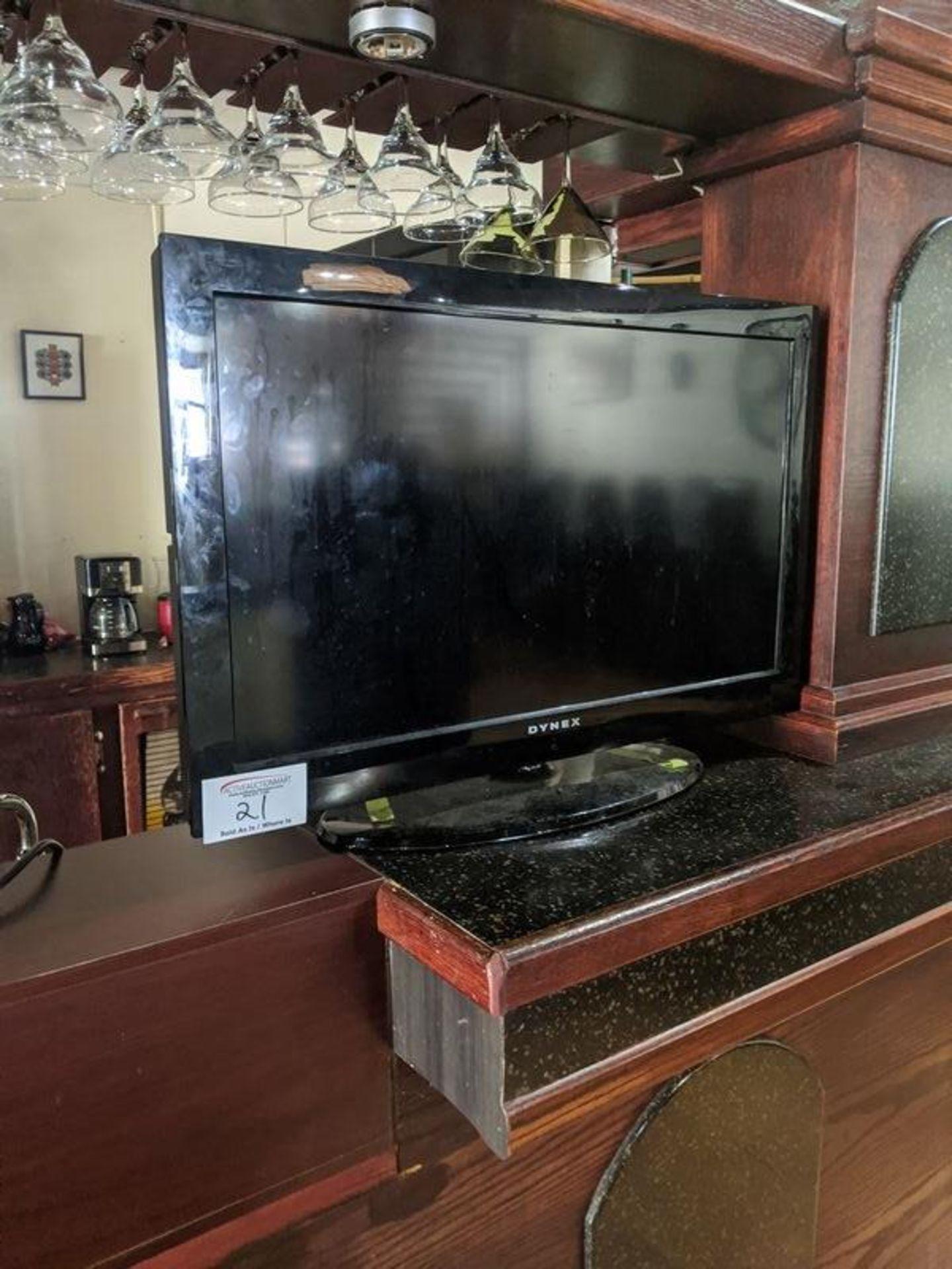 Lot 21 - Dynex TV