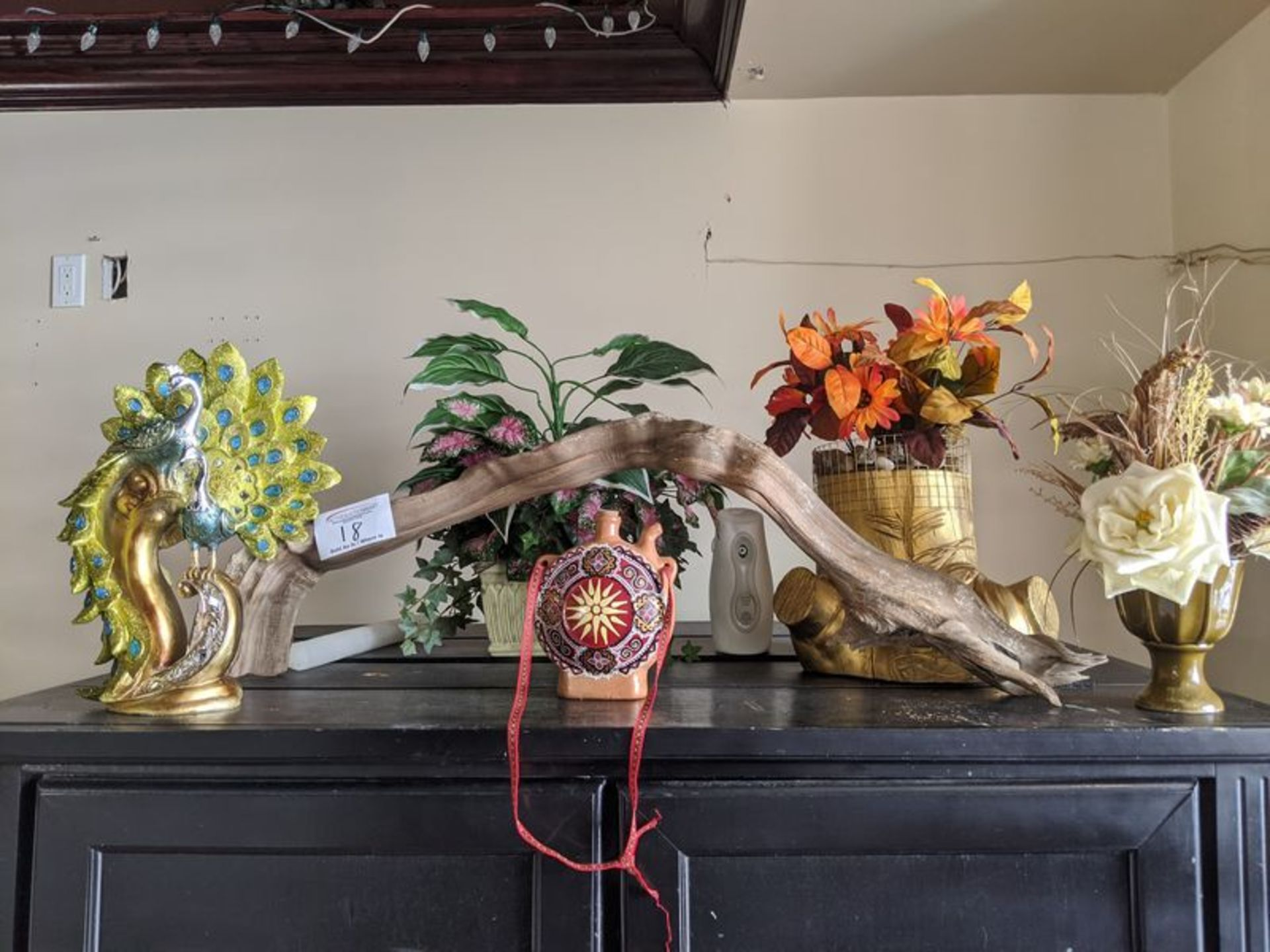 Lot 18 - Assorted Plants and Ornaments