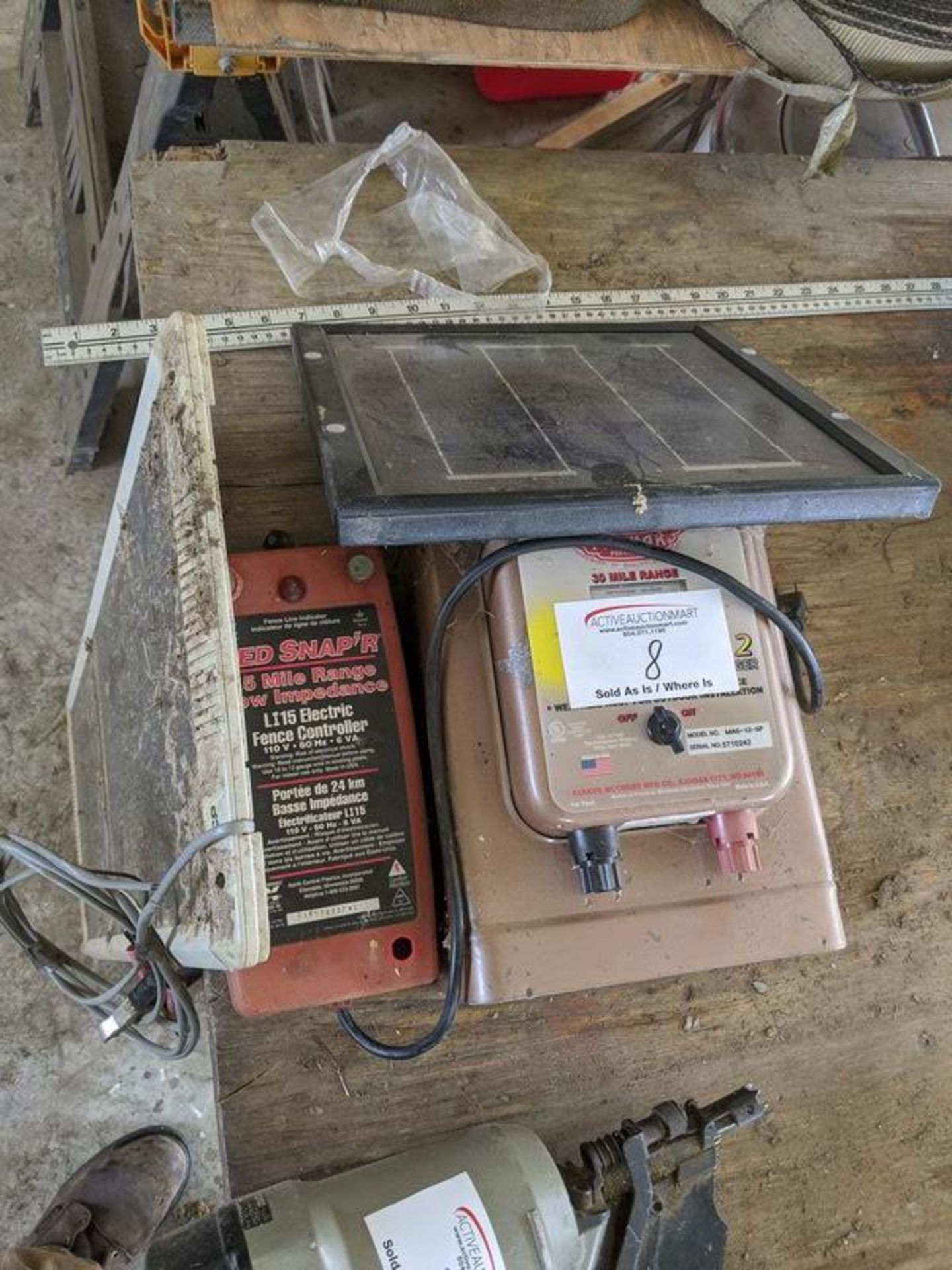 Lot 8 - Solar Powered Electric Fence with Insulators