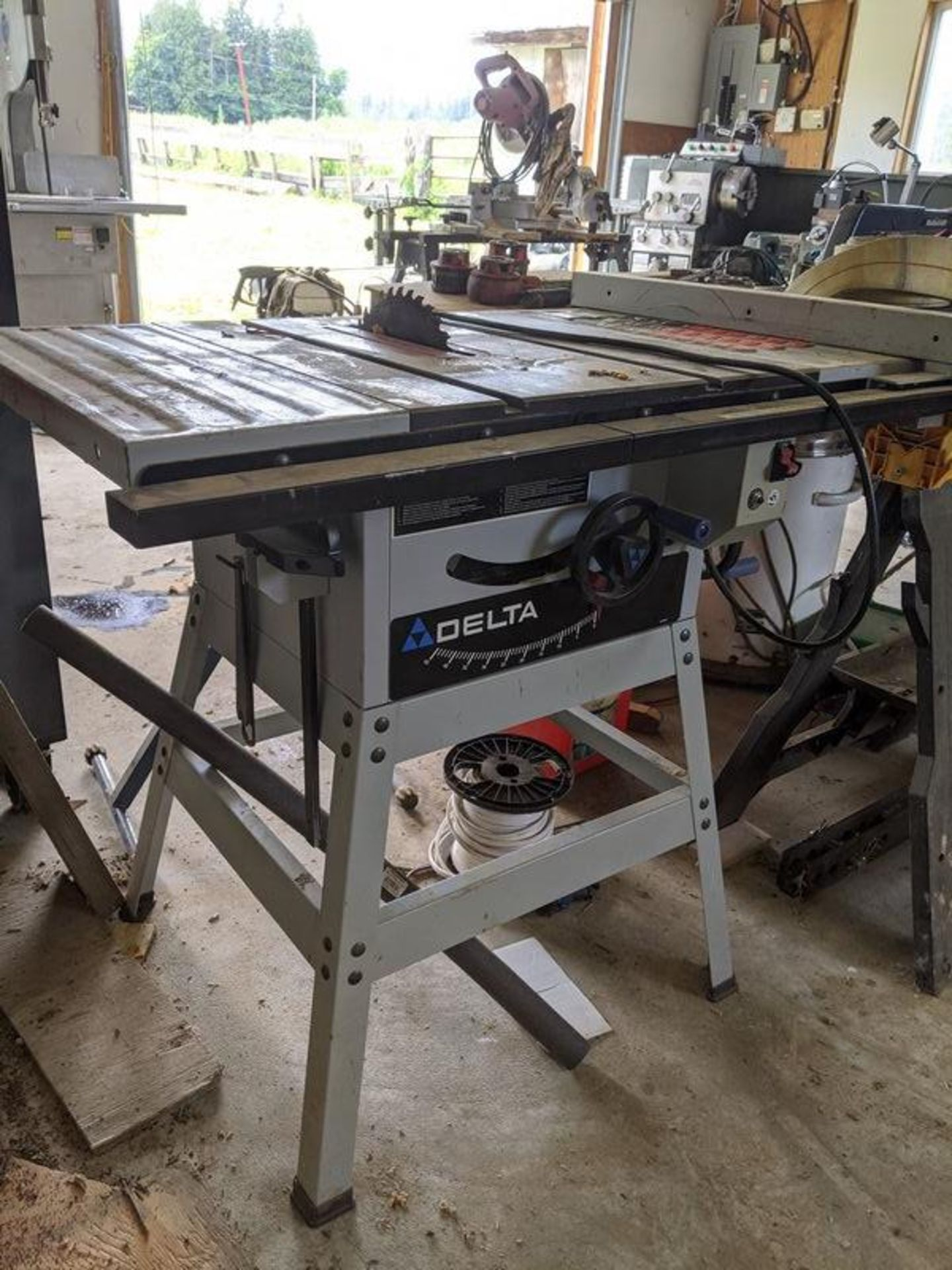 Lot 2 - Delta Rockwell Table Saw with Mastercraft Feeder