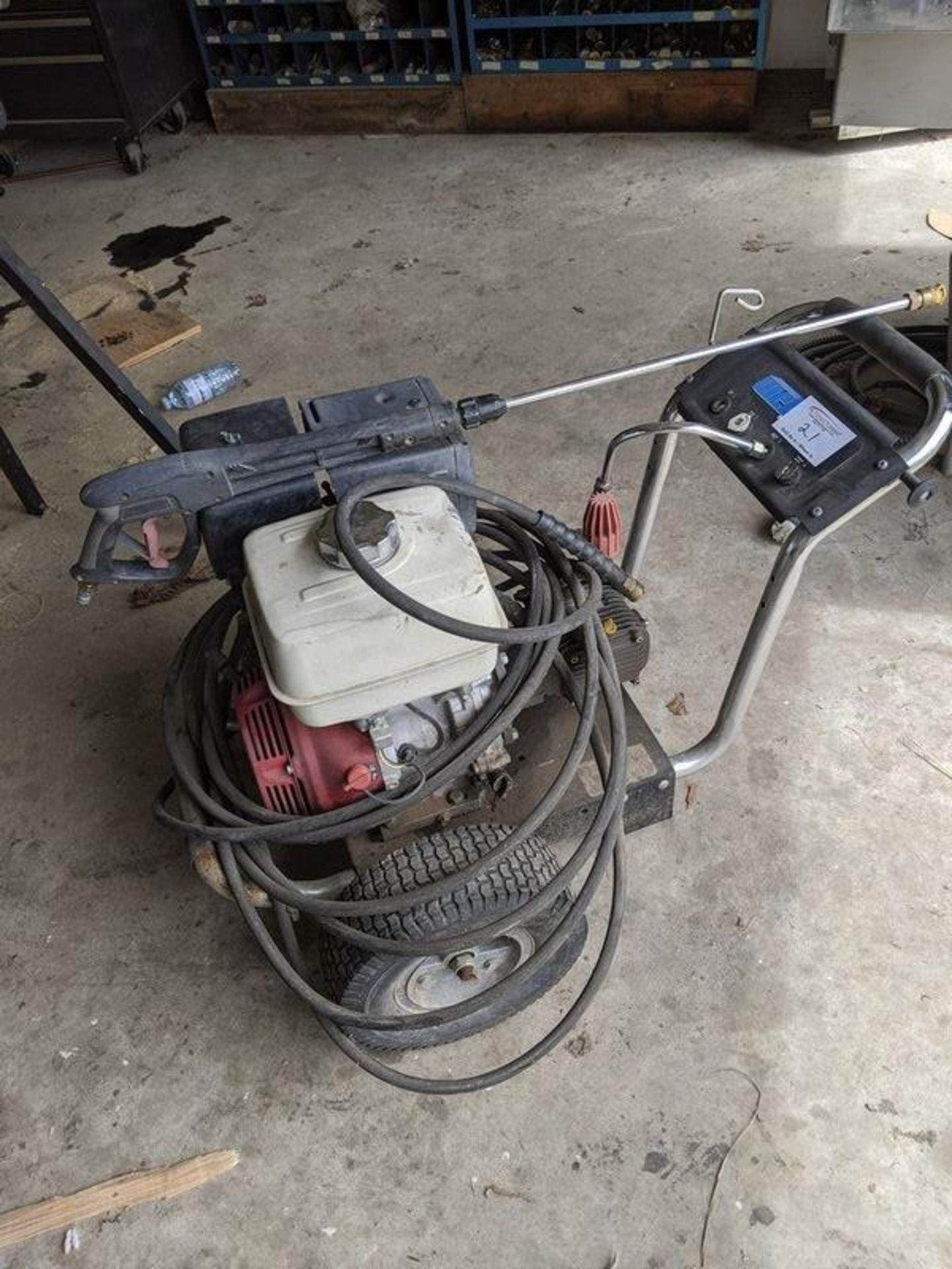 Lot 21 - Wet Jet Pressure Washer with Honda Motor