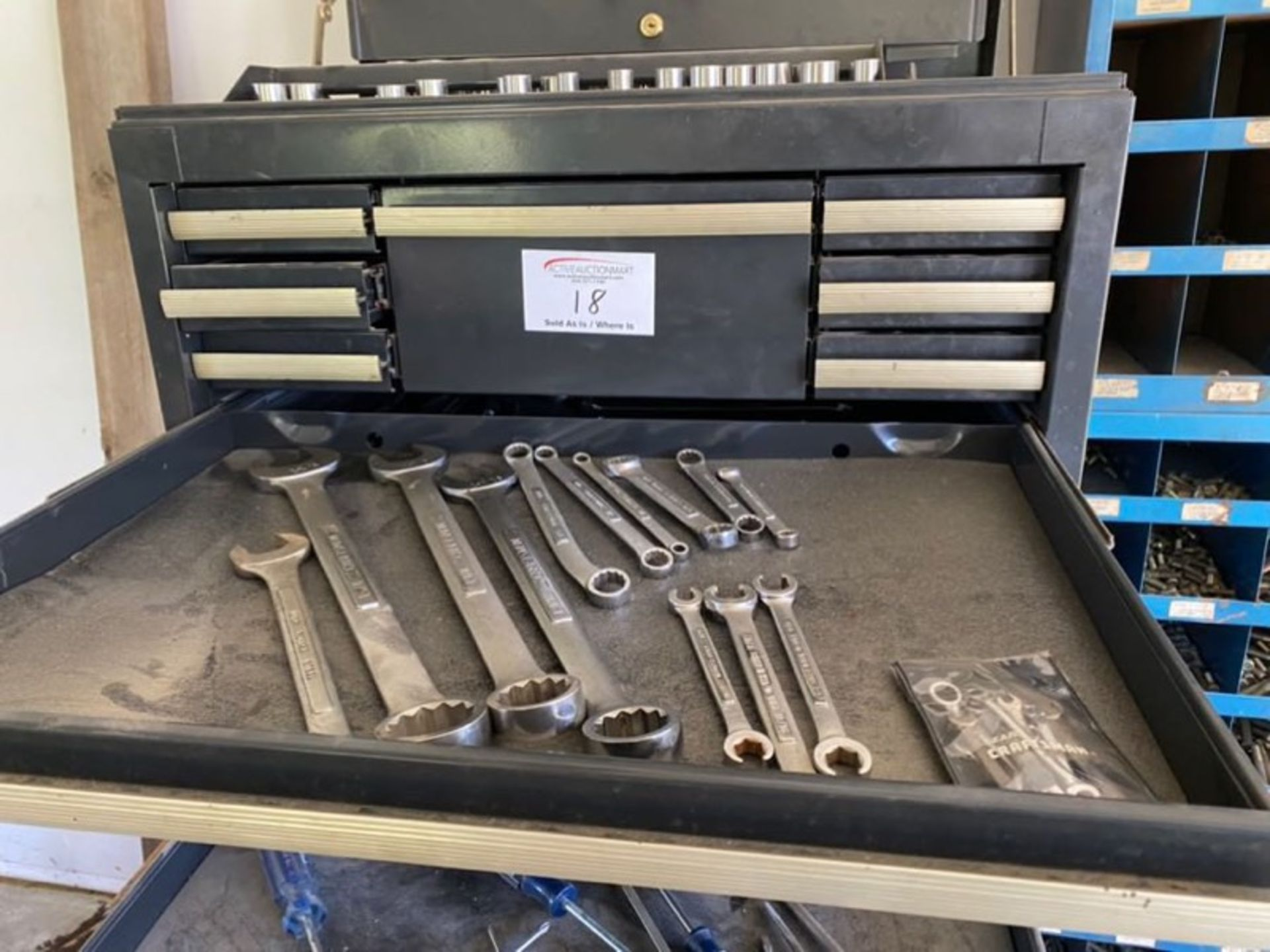 Lot 18 - Craftsman with Full Complete Contents