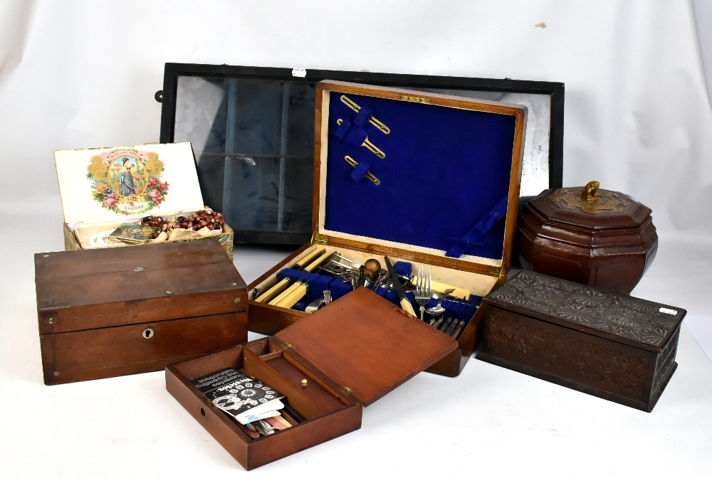 Lot 48 - A mixed lot of assorted collectors' items to include an oak cased canteen, partly fitted with
